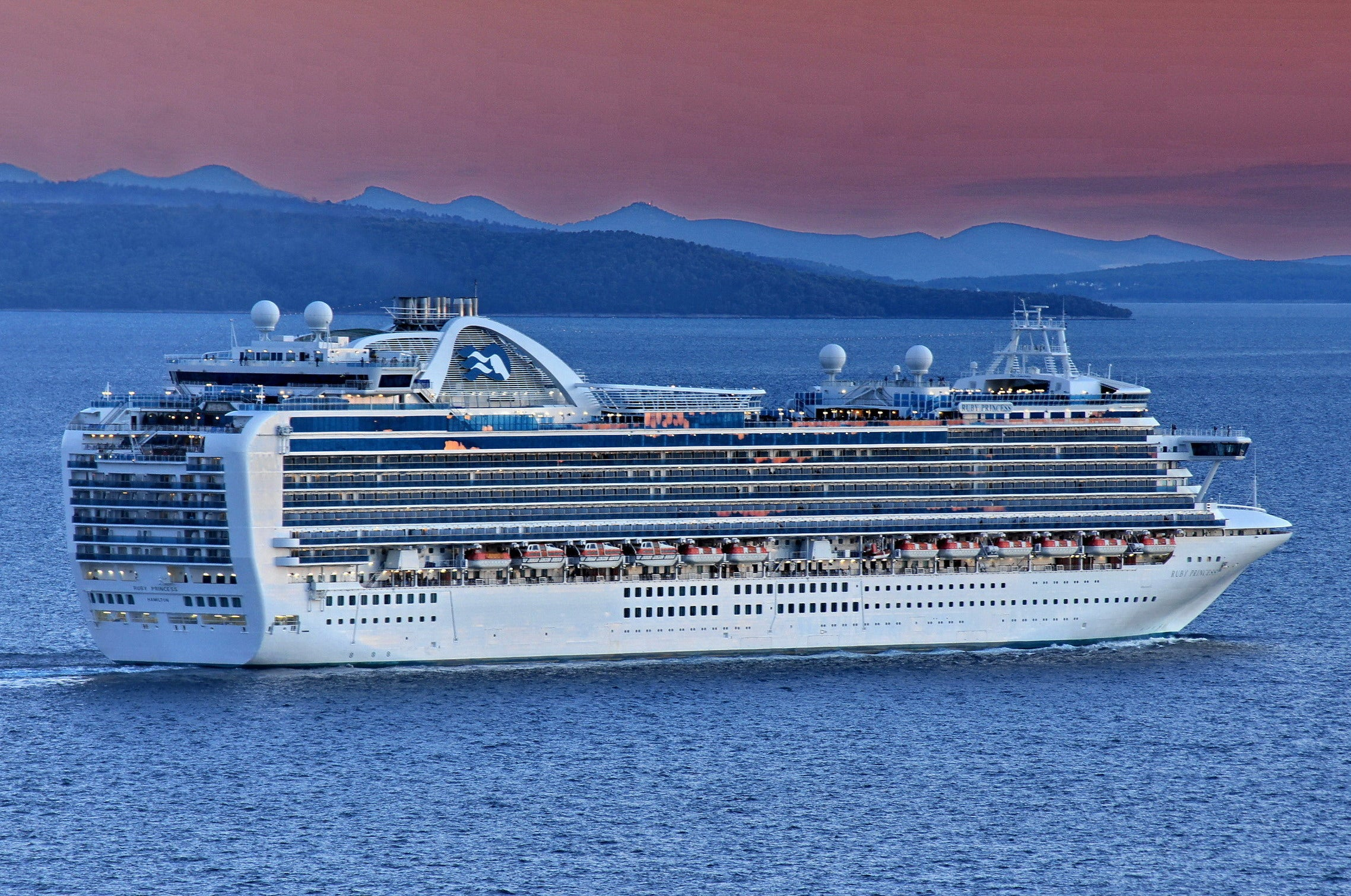 Criminal investigation launched after 600 cruise passengers test positive for coronavirus