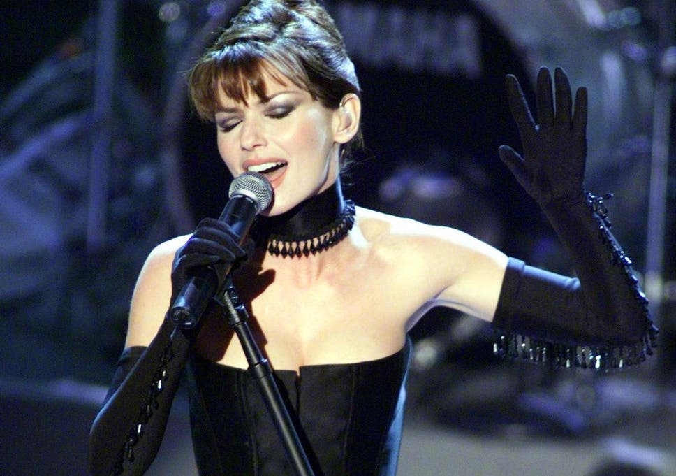 Shania Twain performs 'Man! I Feel Like a Woman!' at the 41st Grammy Awards in 1999