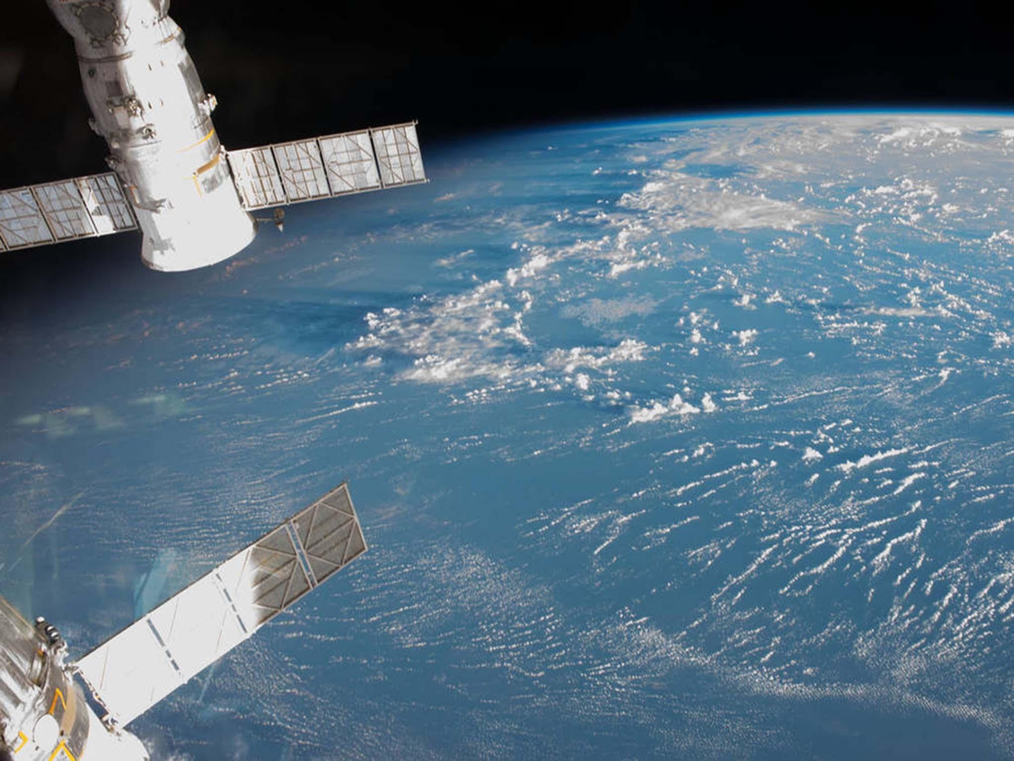 Nasa astronaut accidentally drops mirror into space