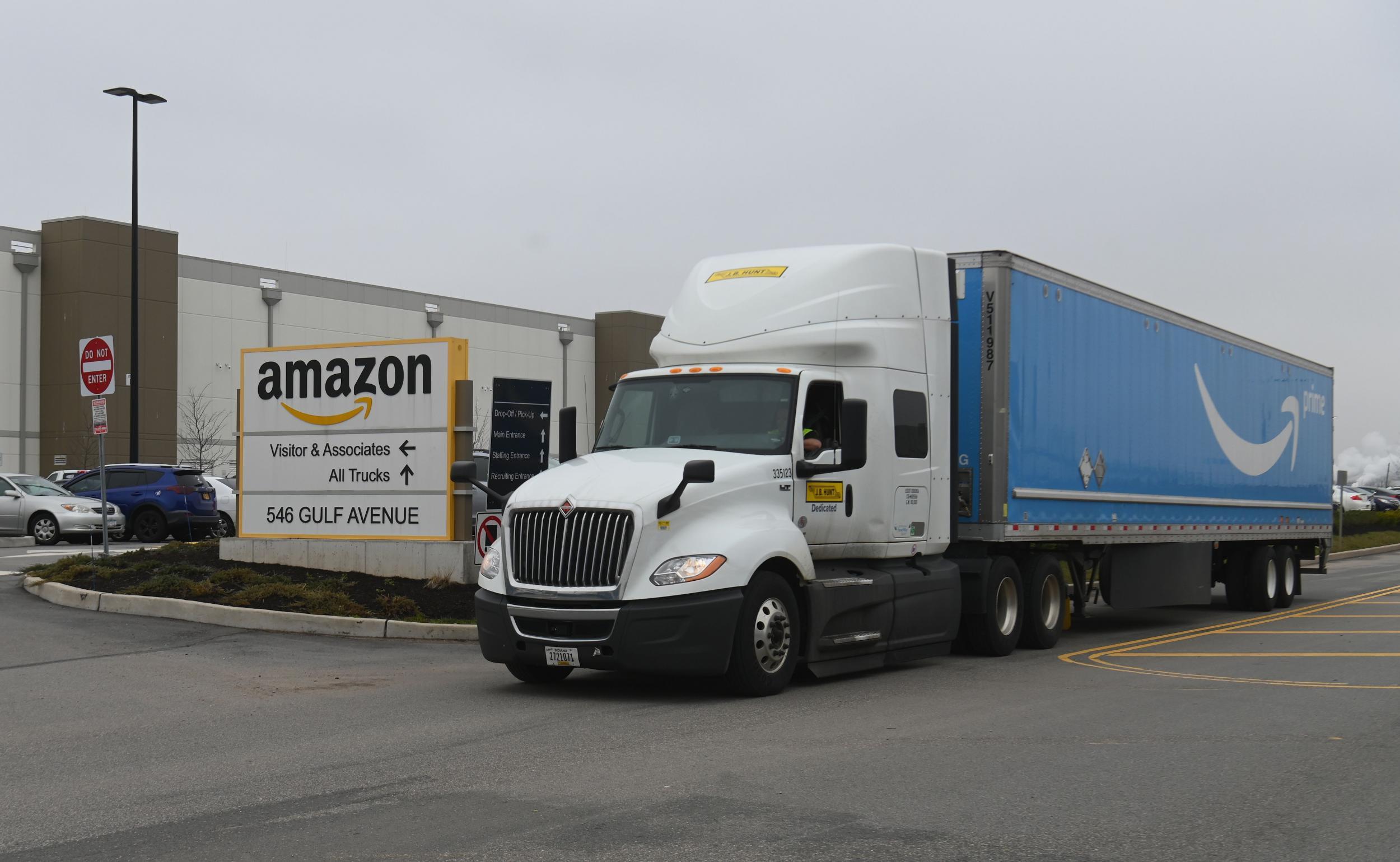 Coronavirus: Amazon to hire 75,000 more people to handle contagion-driven demand