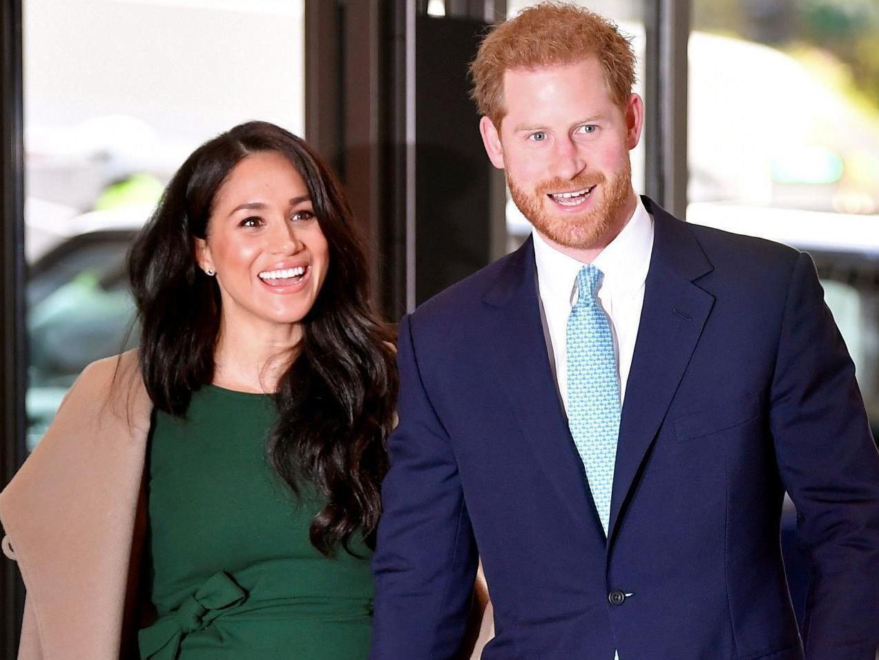 Prince Harry and Meghan Markle deliver meals to people in need amid coronavirus pandemic thumbnail