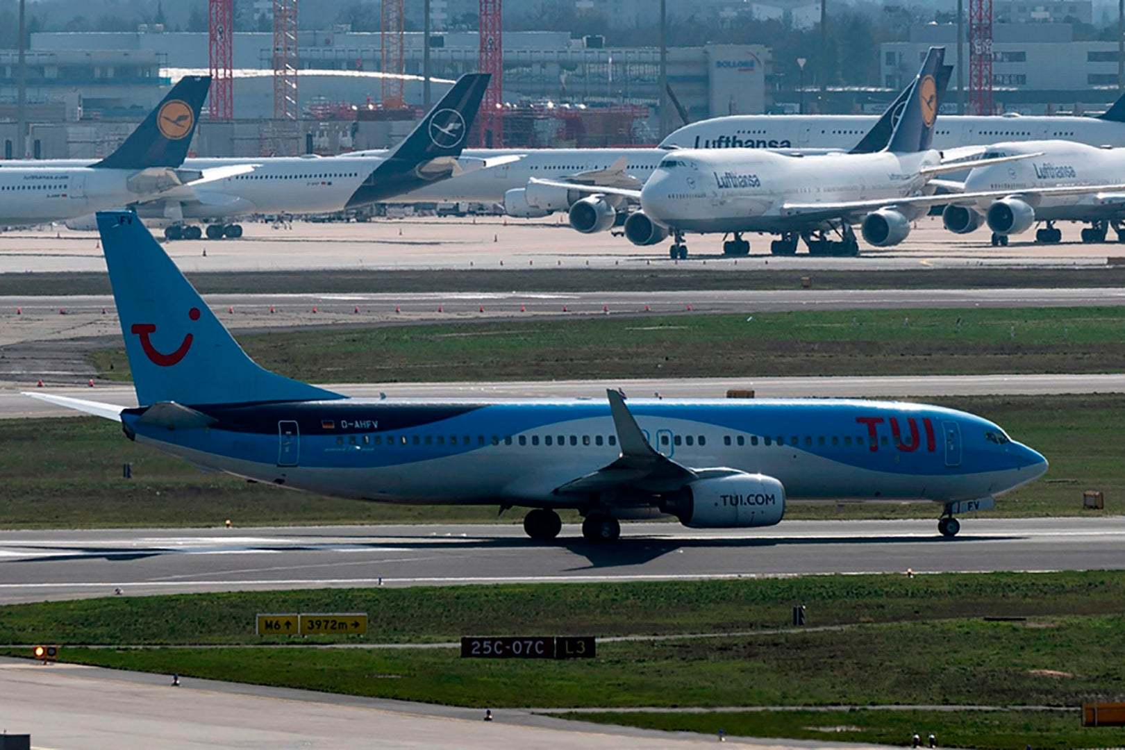 Tui will tell hundreds of thousands of holidaymakers their trips are off
