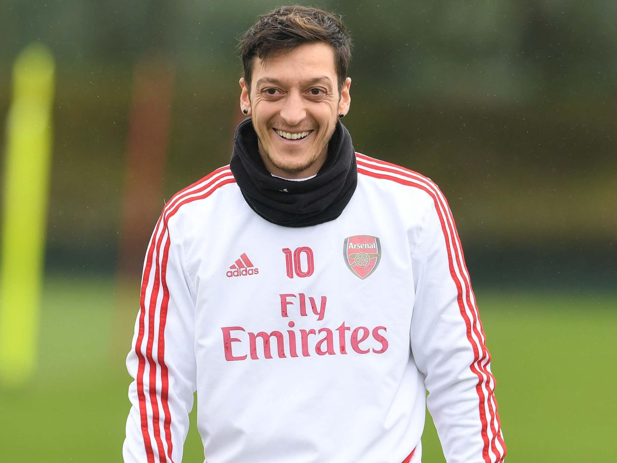 Arsenal özil