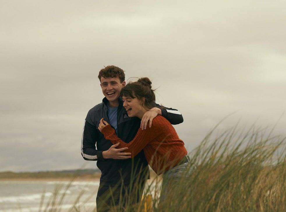 Daisy Edgar-Jones and Paul Mescal in 'Normal People'