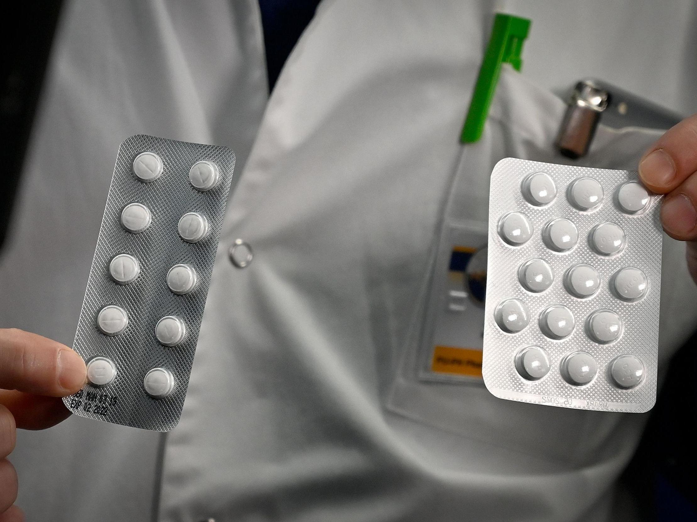 Coronavirus: Surge in people trying to buy unproven 'cures' promoted by Trump and Elon Musk, study finds photo
