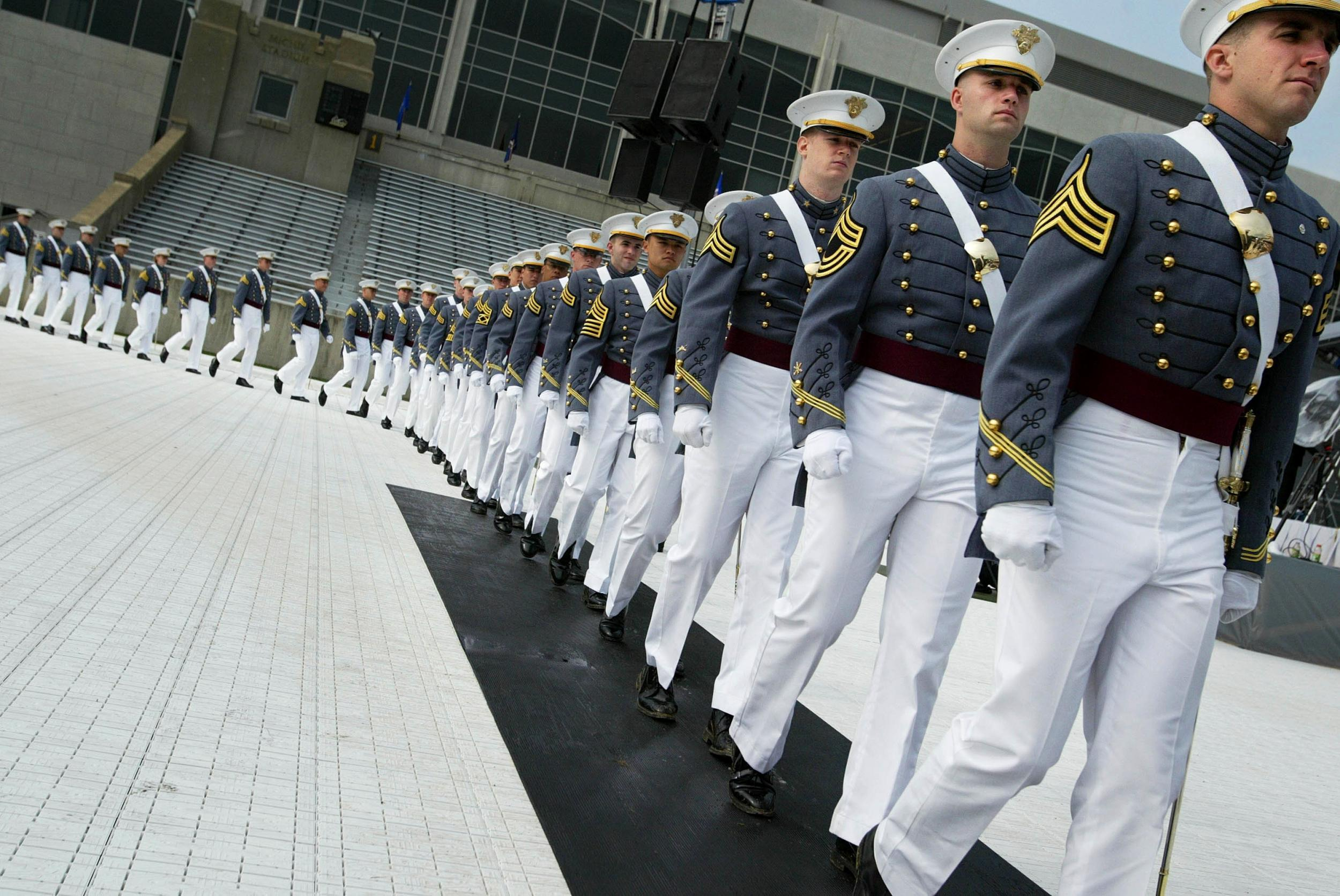 Trump to deliver West Point commencement address, forcing 1,000 cadets back to campus amid pandemic thumbnail