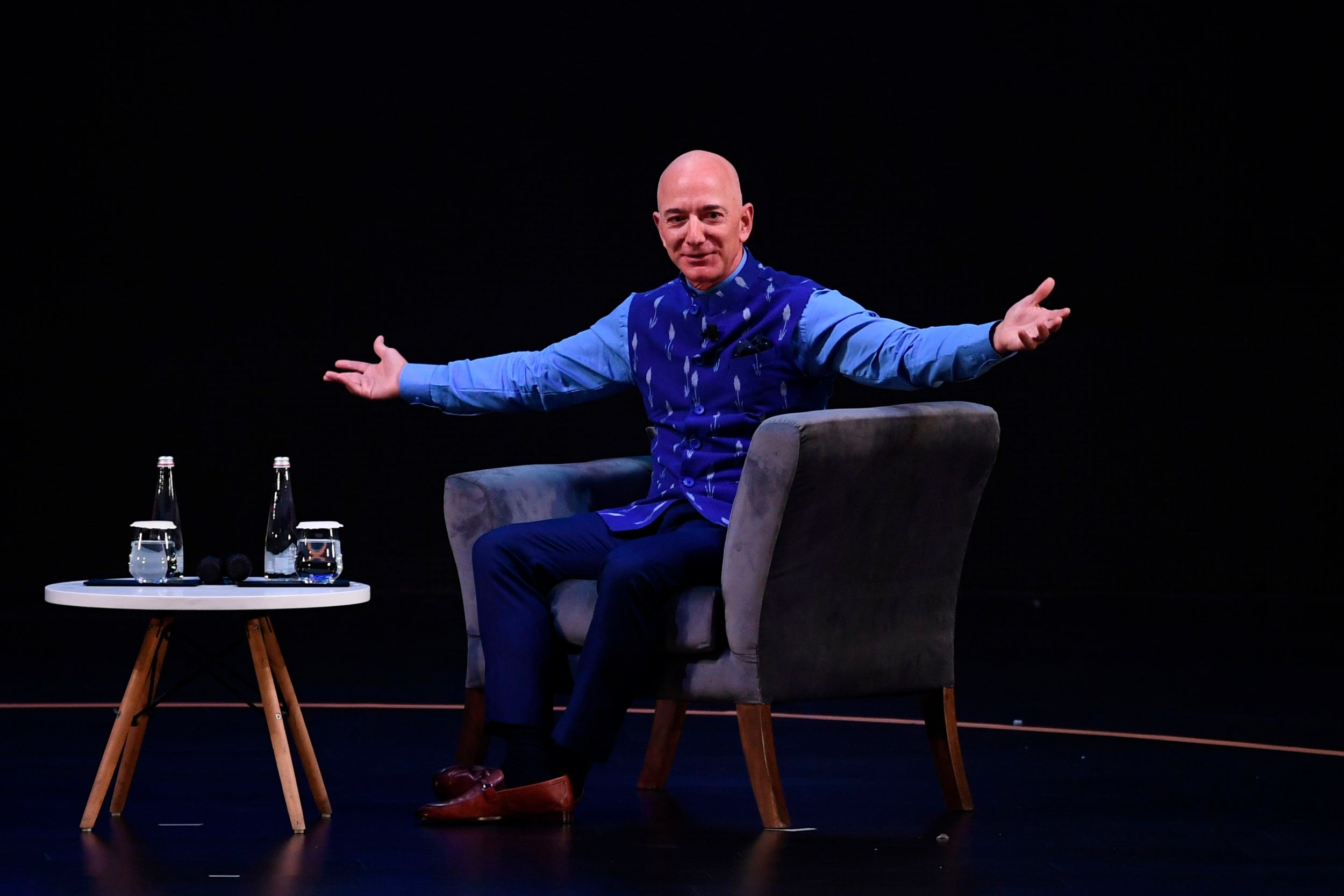 Jeff Bezos says Amazon is happy to lose customers who object to Black Lives Matter stance after sharing abusive email thumbnail
