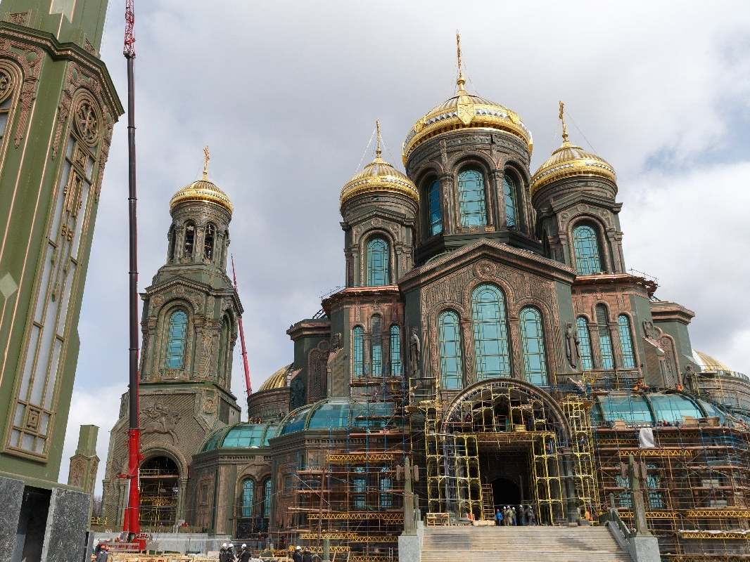 New Russian cathedral glorifies Putin and Stalin in mosaics