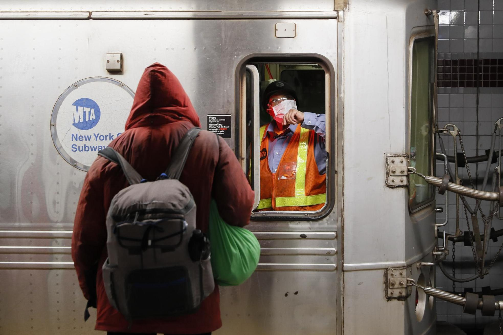 Coronavirus: New York City ends 24-hour subway service to clean trains every night photo