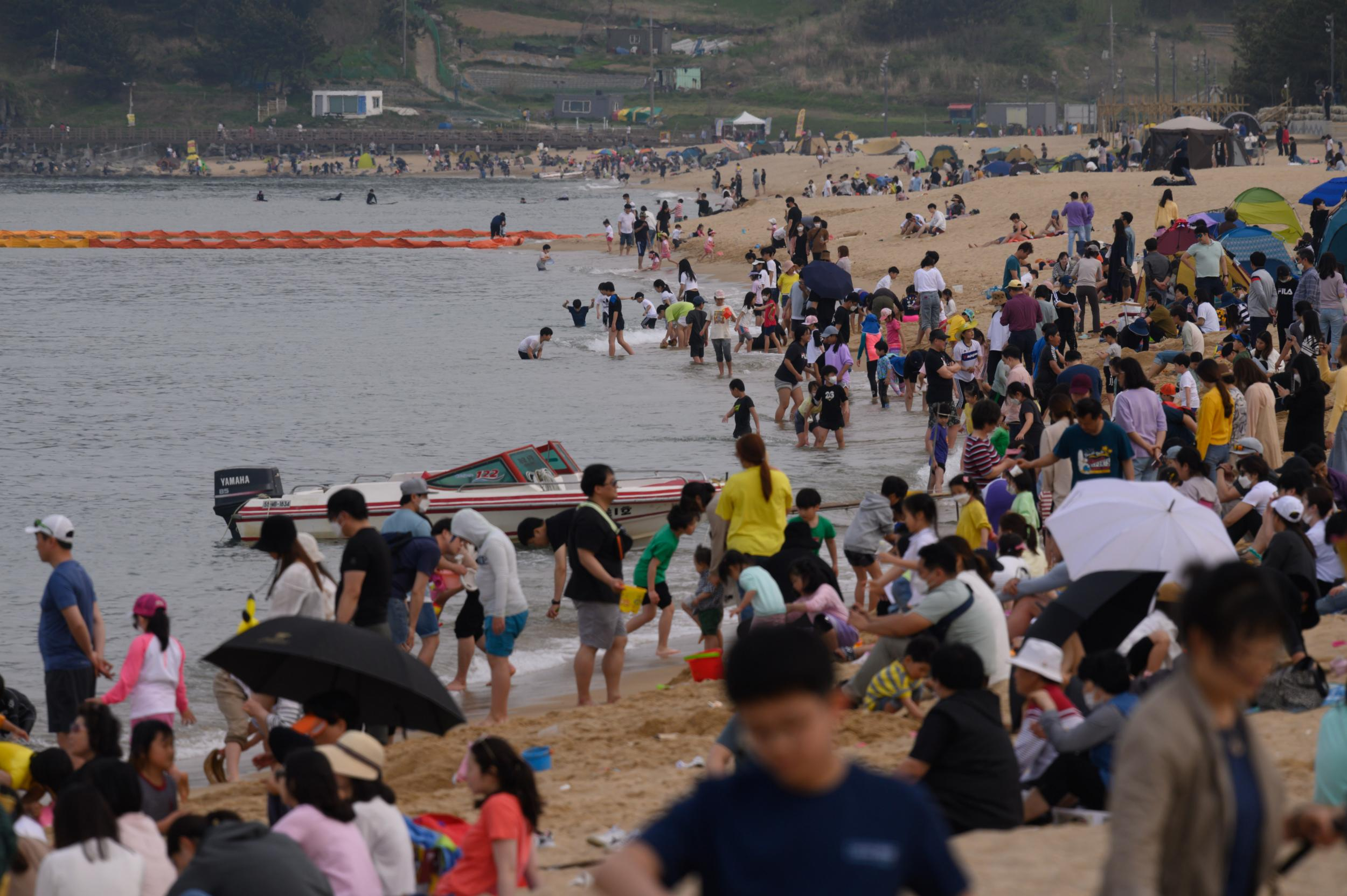 South Korea to relax social distancing rules further as coronavirus outbreak comes under control photo
