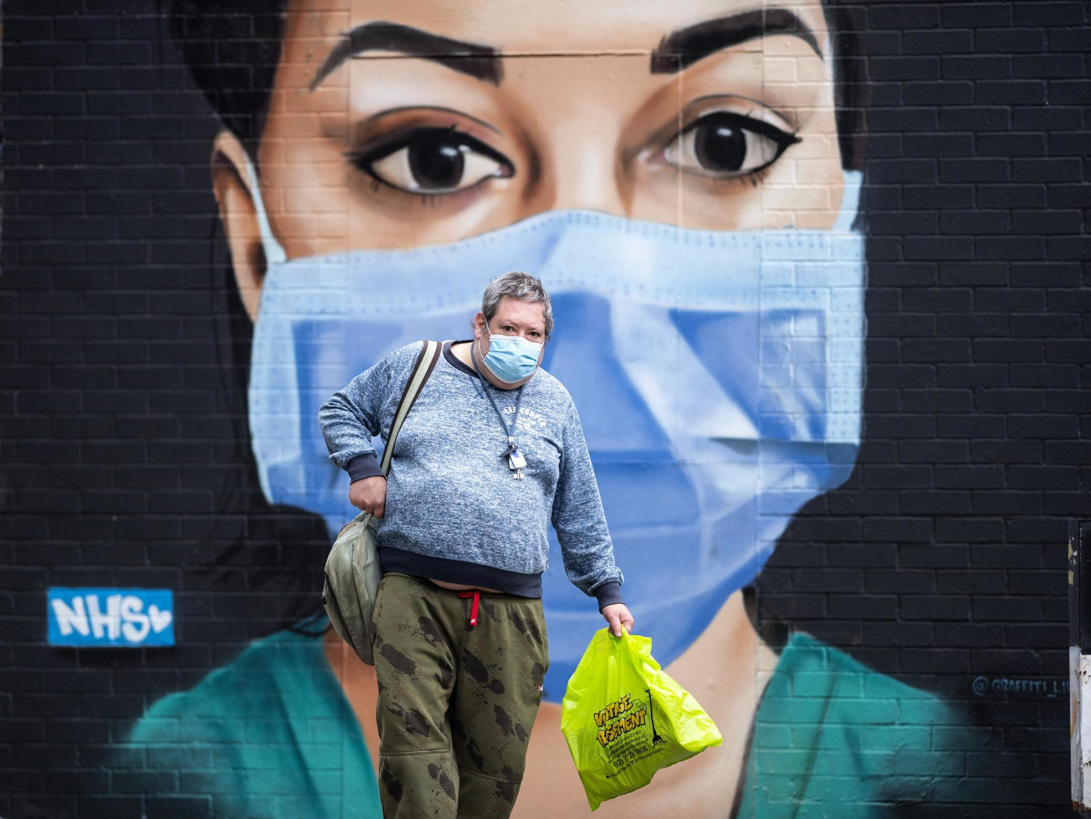 Coronavirus: Scientists divided over report recommending widespread use of face masks thumbnail