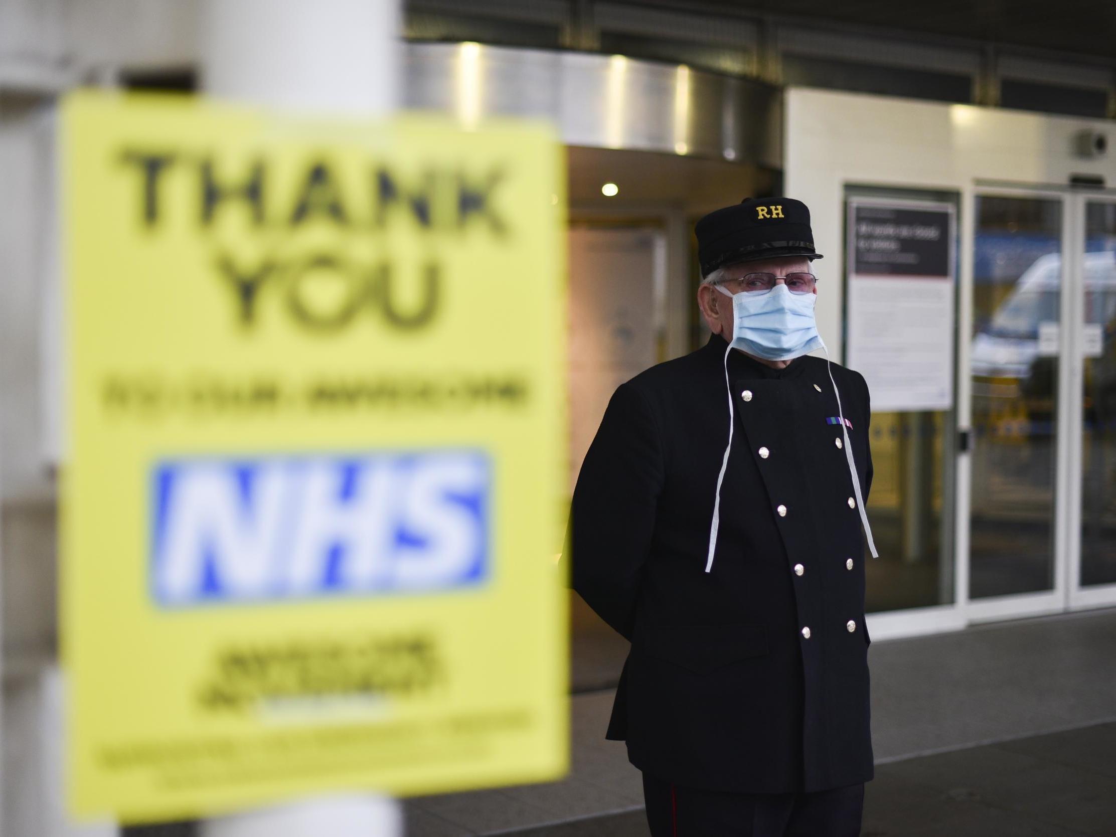 Coronavirus: Nine Chelsea Pensioners die from Covid-19 thumbnail