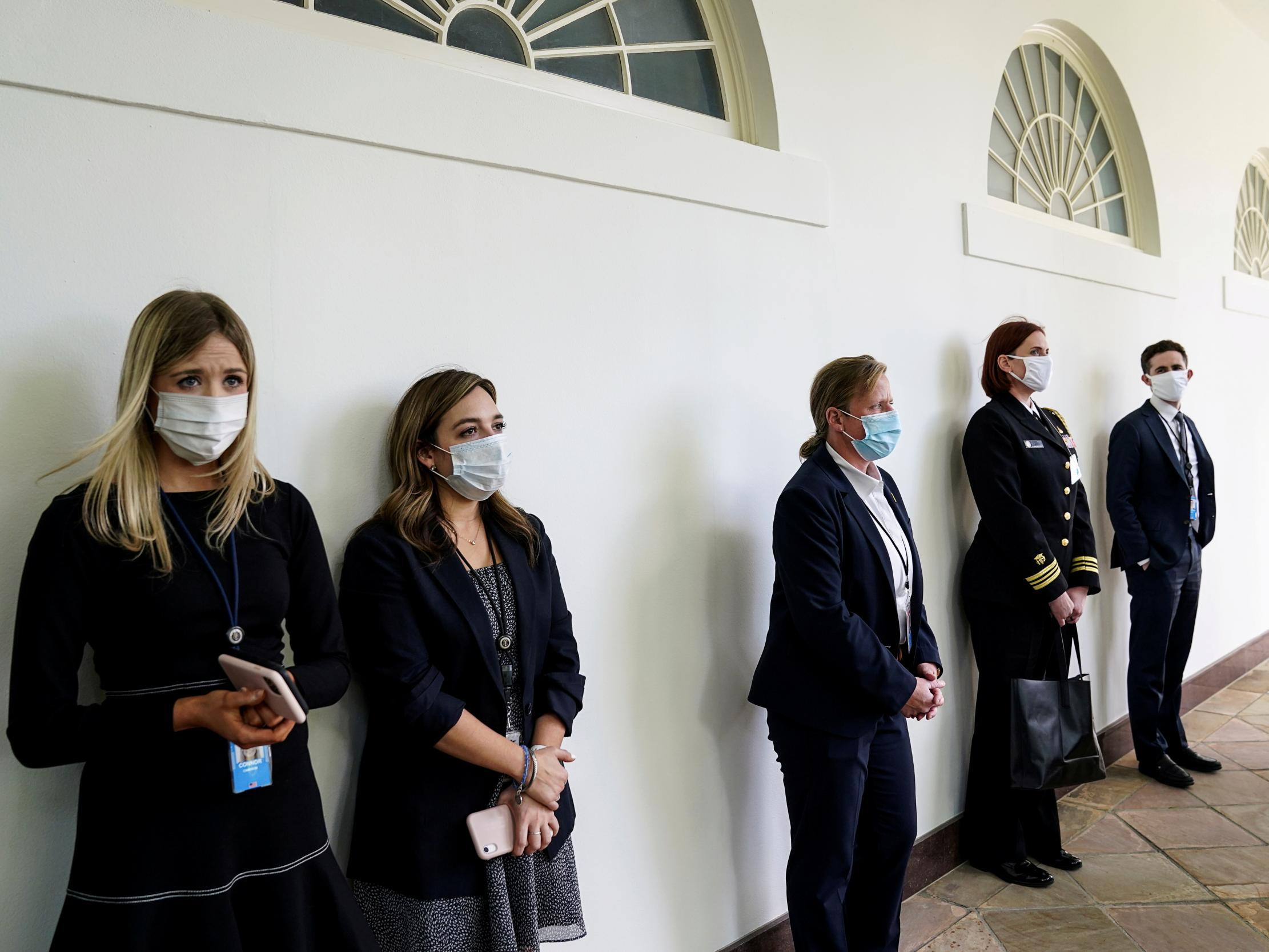 Trump staff and visitors ordered to wear masks in West Wing following coronavirus scares thumbnail