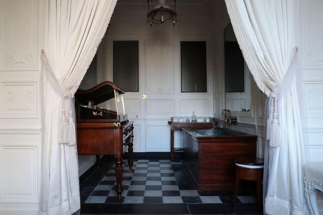 A picture taken on March 11, 2019 shows the Duchess' bathroom in the private suites of the Chateau de Chantilly after renovation, in Chantilly, near Paris