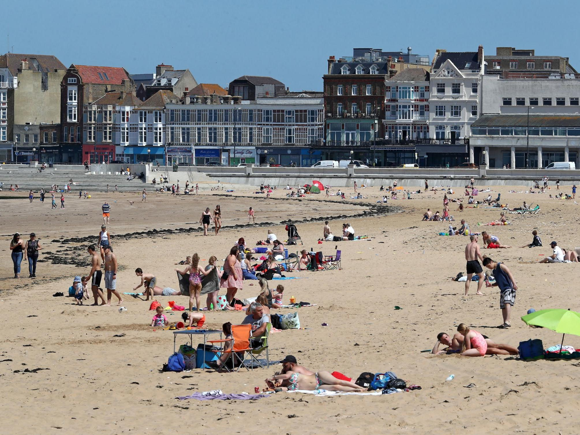 UK weather: Hottest day of year predicted before thunderstorms hit Britain