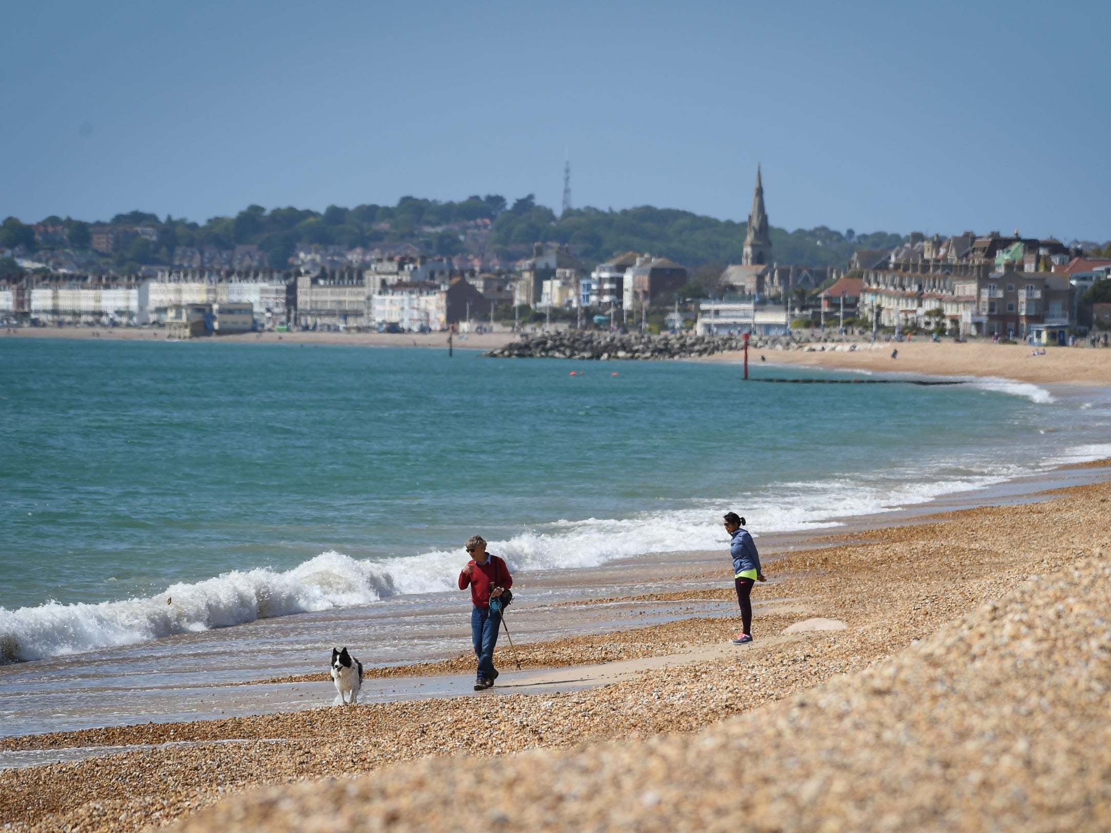 UK weather: Warm, sunny bank holiday to see mercury hit 24C in London