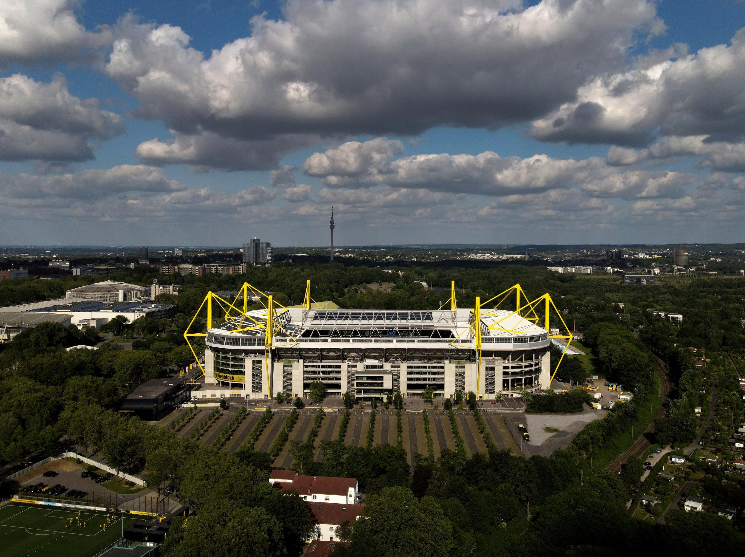Borussia Dortmund vs Bayern Munich LIVE: Team news and line-ups ahead of Bundesliga fixture today