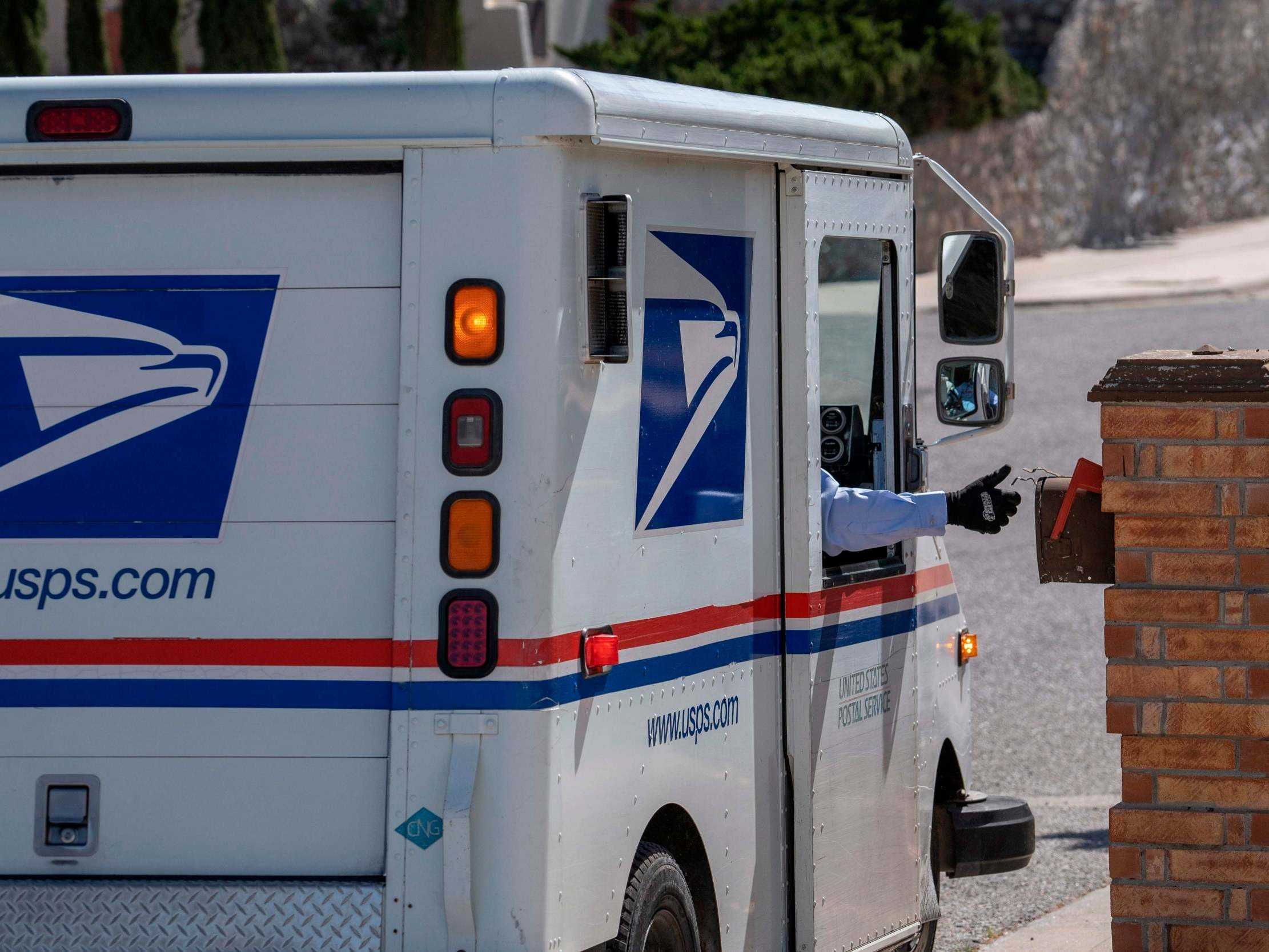 Postal worker accused of attempted mail-in voter fraud in favour of Republicans