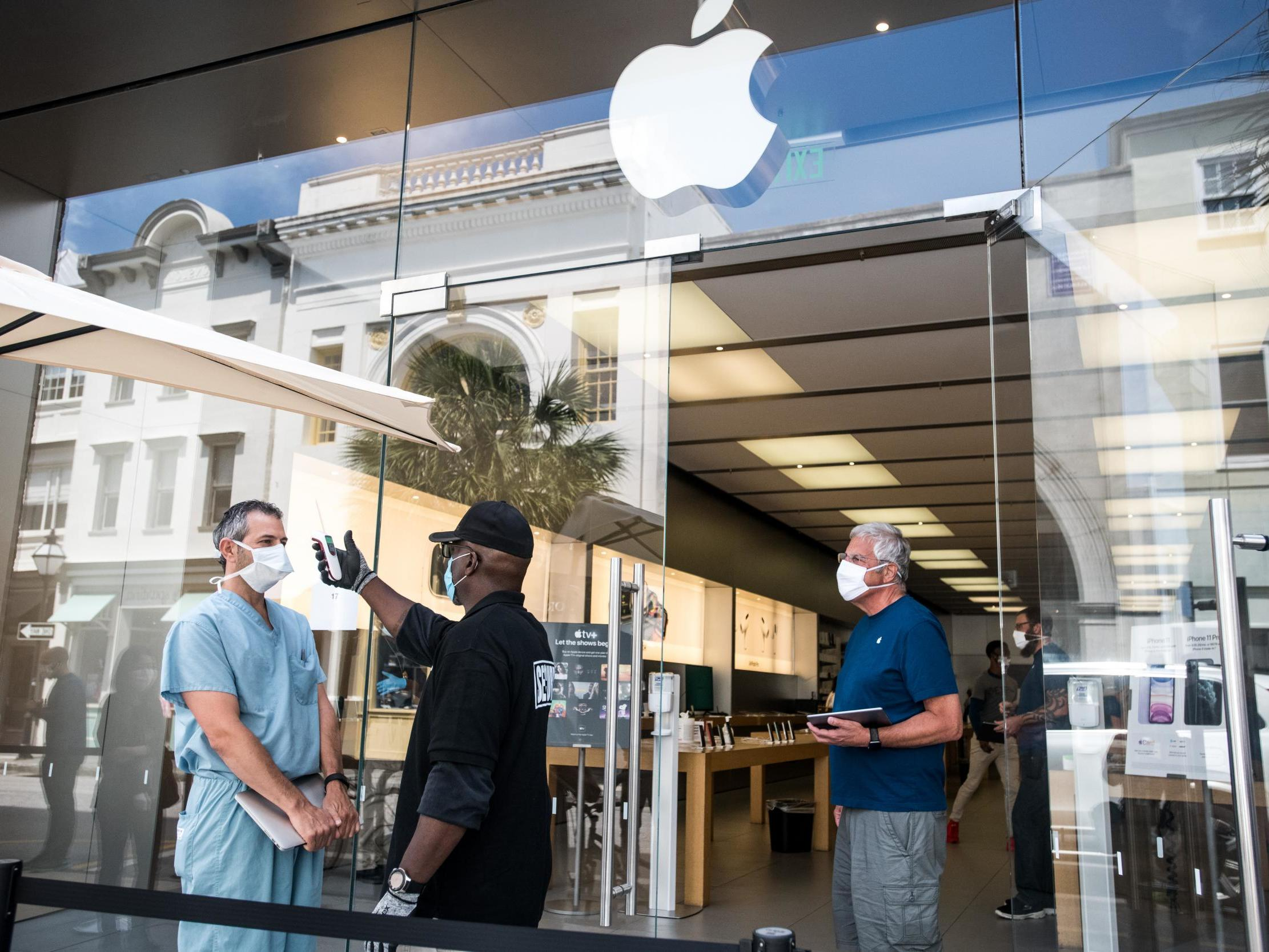Apple reopens 100 more stores across US