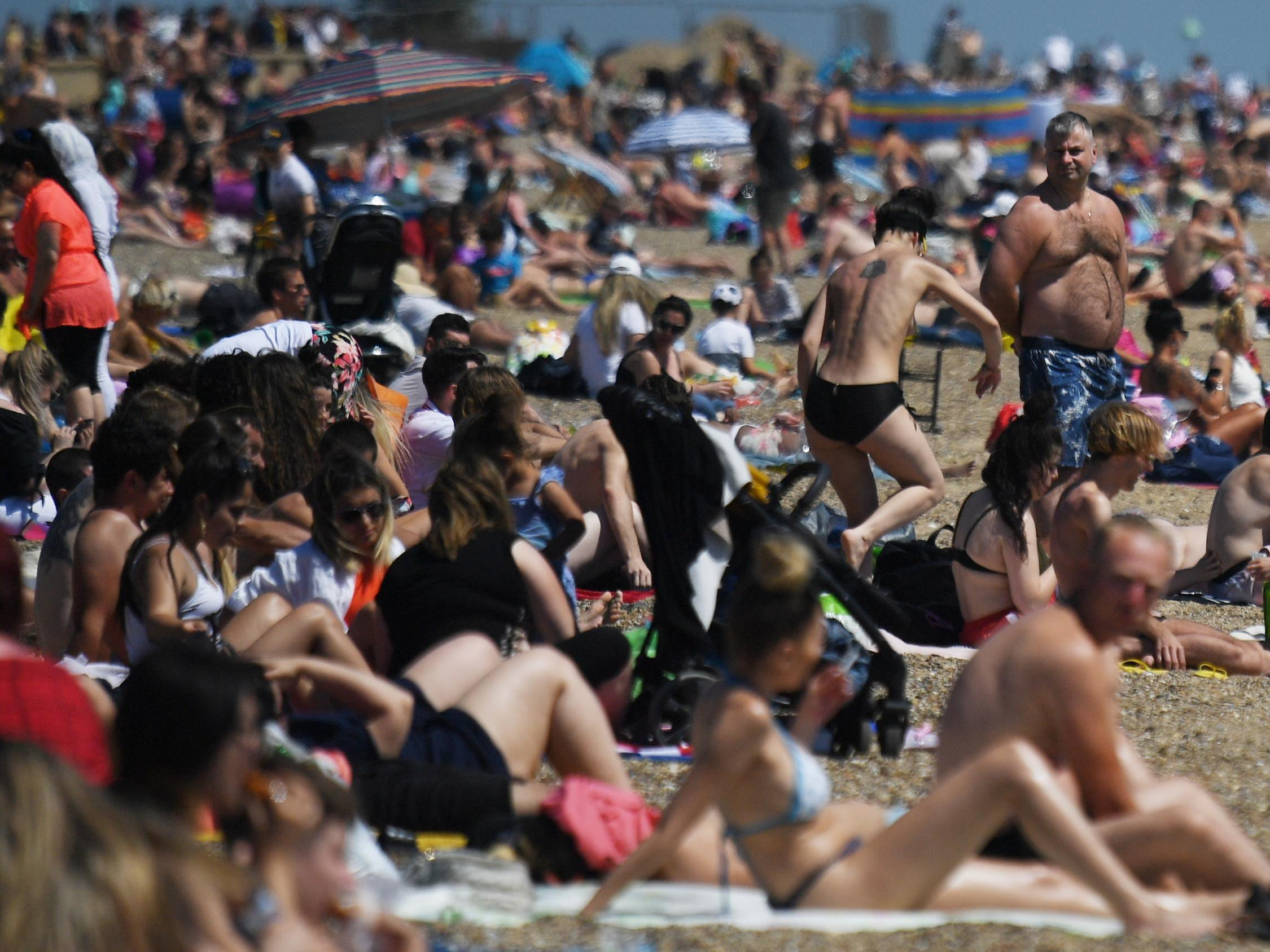 UK weather: Britain braces for hottest day of year as public urged to maintain social distancing
