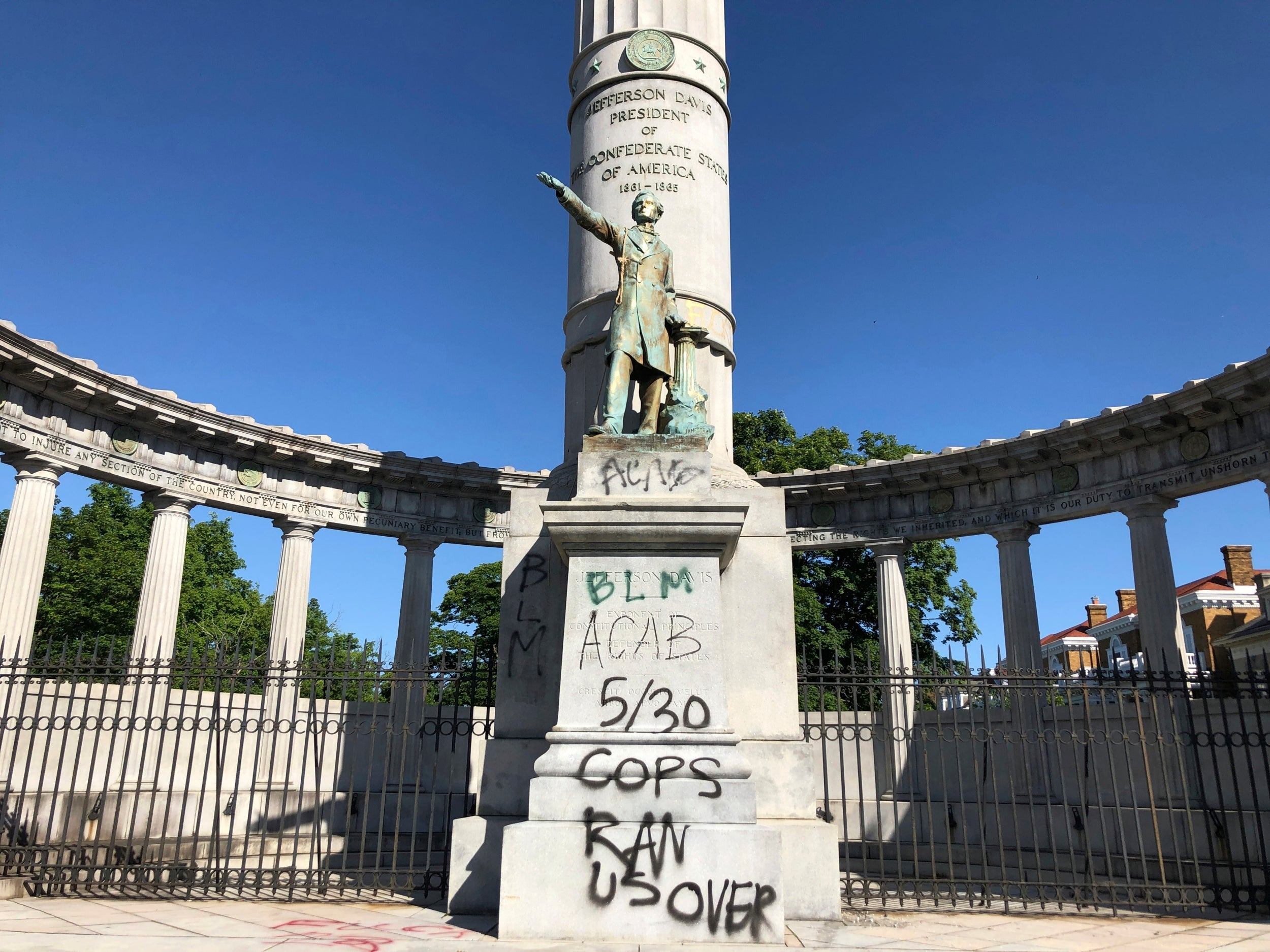 George Floyd protesters target confederate monuments in numerous cities