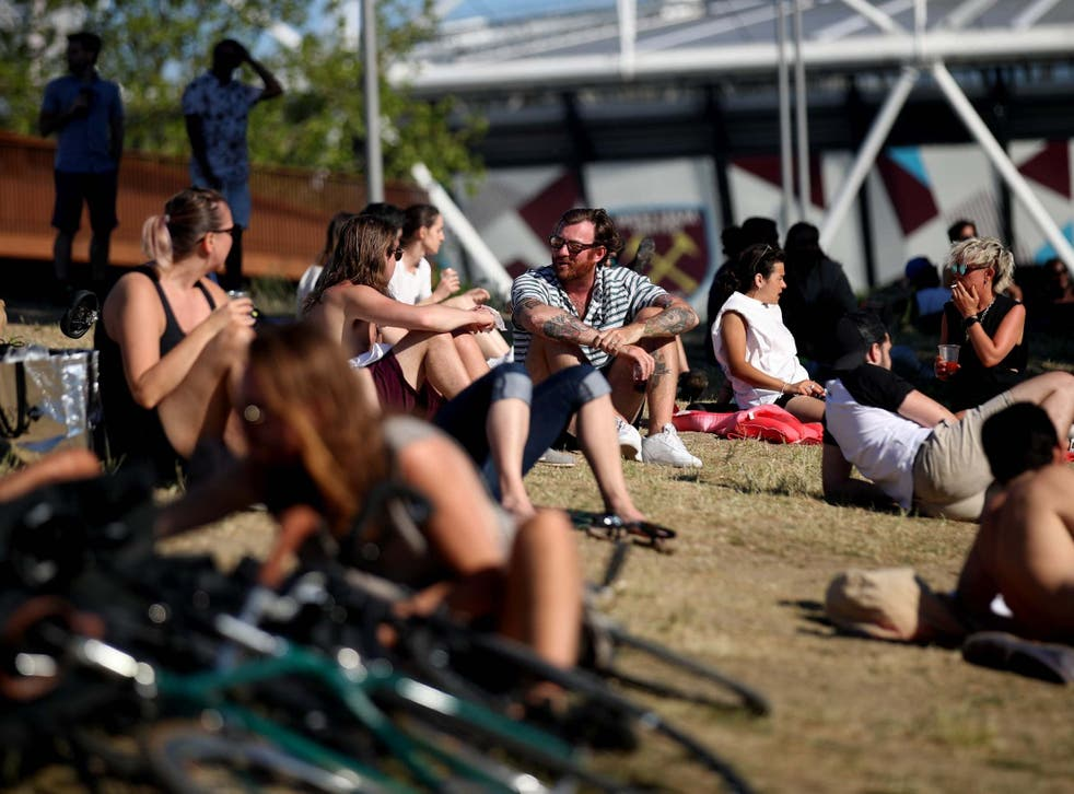 People enjoy the sun in London over the weekend