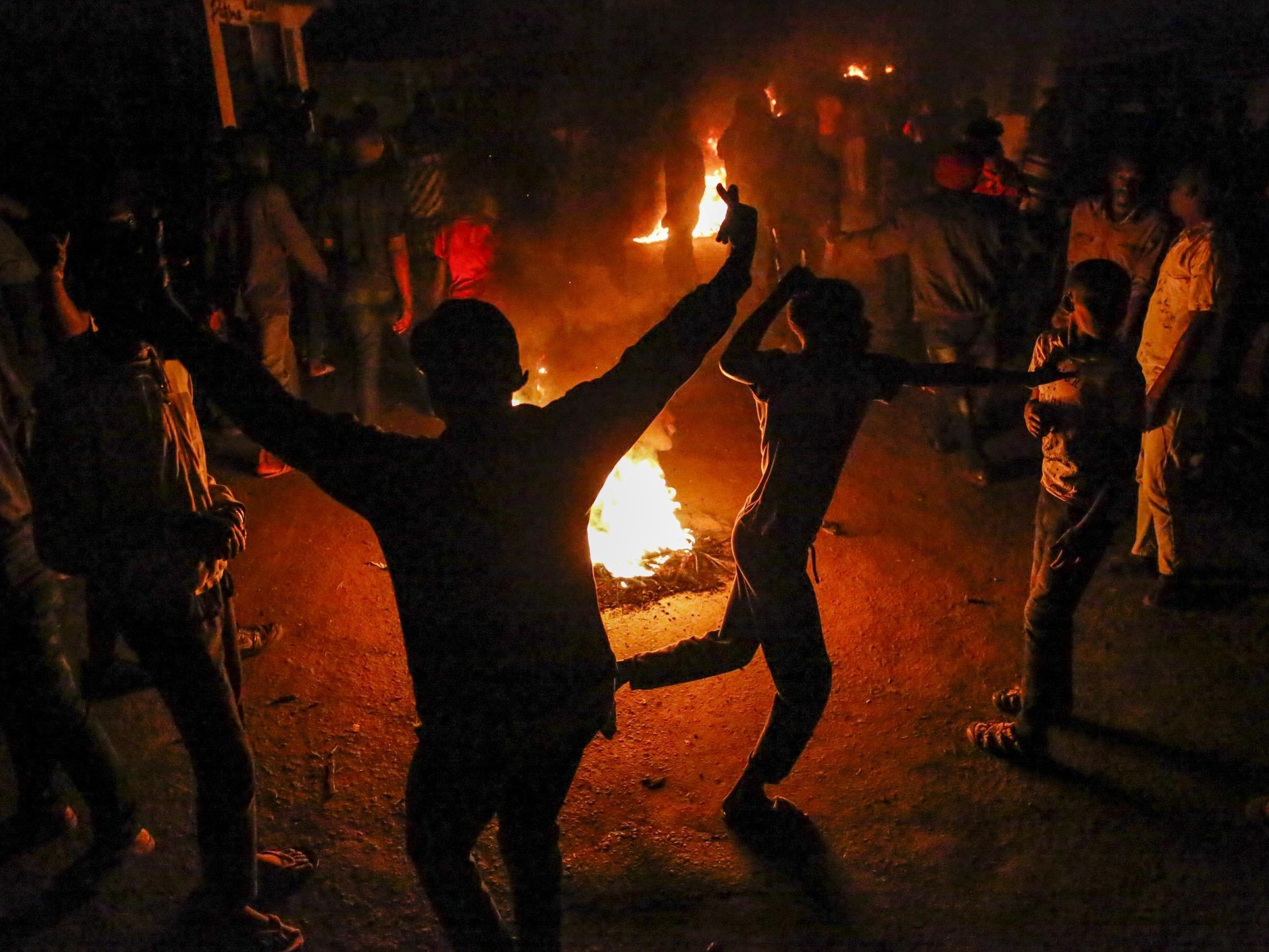 Hundreds protest over police killing of homeless man accused of breaching coronavirus curfew in Kenya