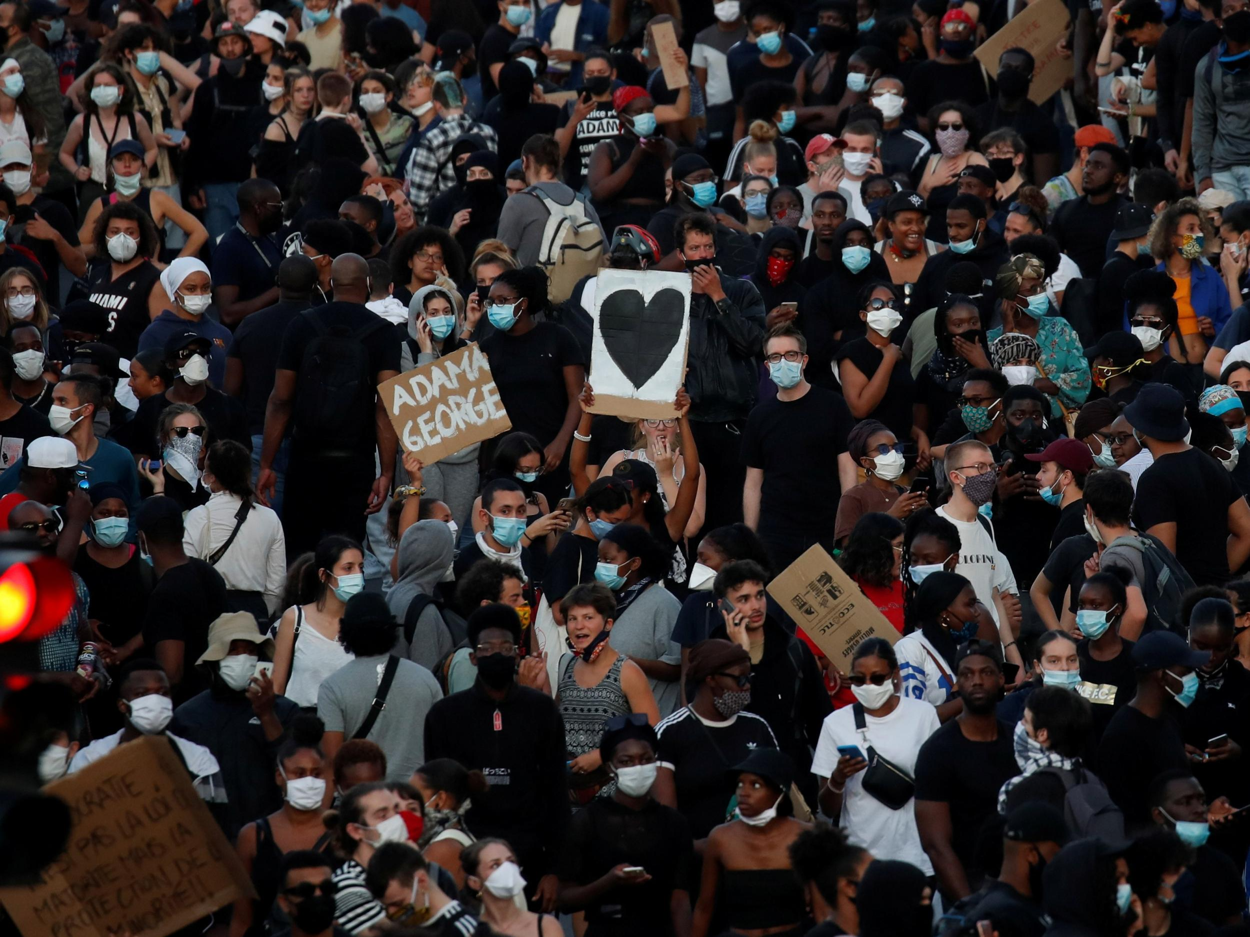 Police ban several protests against police brutality in central Paris thumbnail