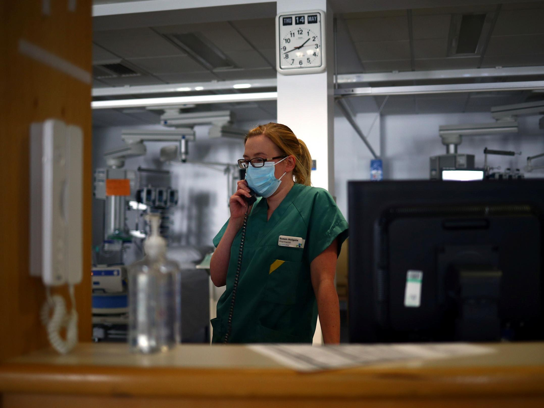 NHS chiefs criticise government for making policy 'on the hoof' after hospital mask ruling