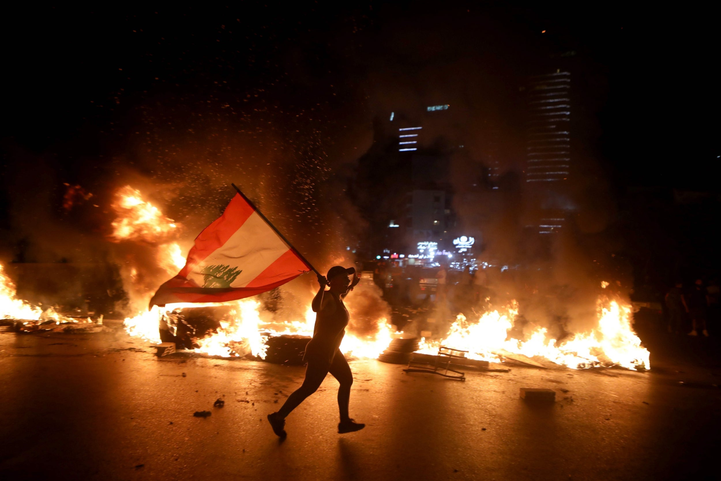 'The government is letting us starve': Nationwide protests erupt in Lebanon as currency plunges to record low thumbnail