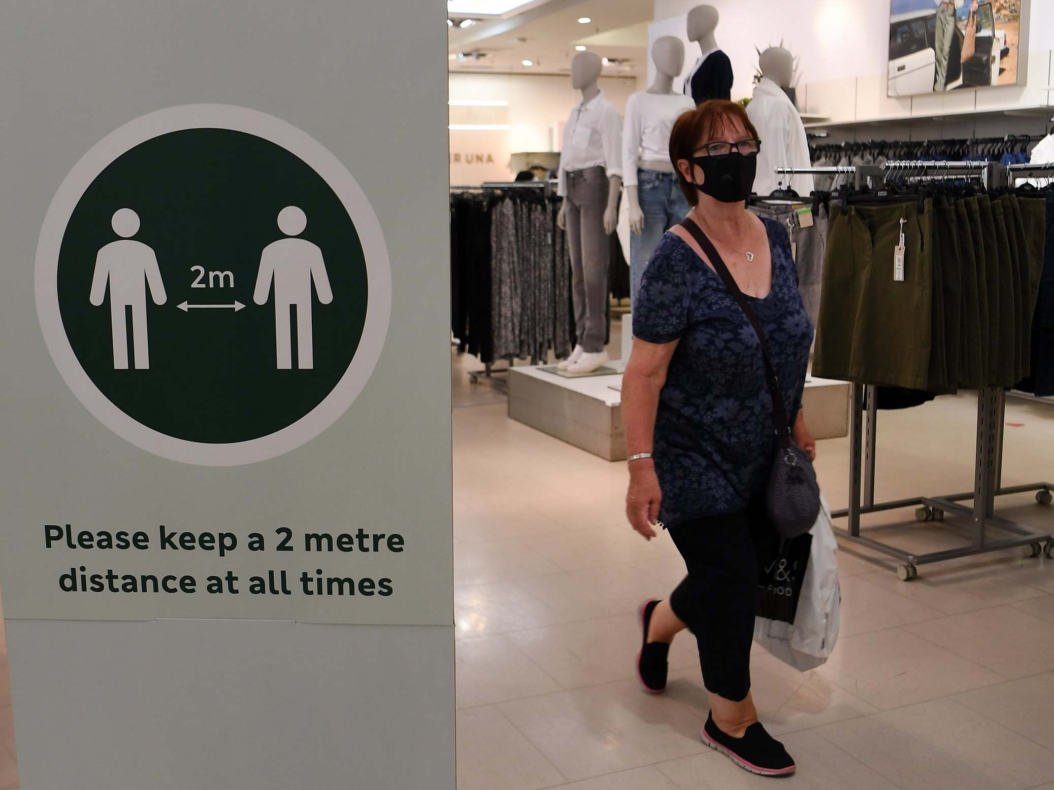 Coronavirus: Sadiq Khan urges Boris Johnson to make face masks compulsory in shops thumbnail