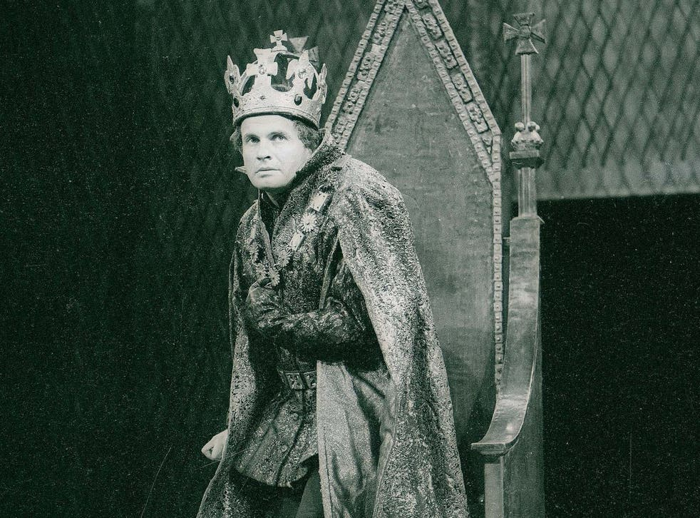 Holm playing Richard III at the Royal Shakespeare Theatre, Stratford-upon-Avon, in 1963