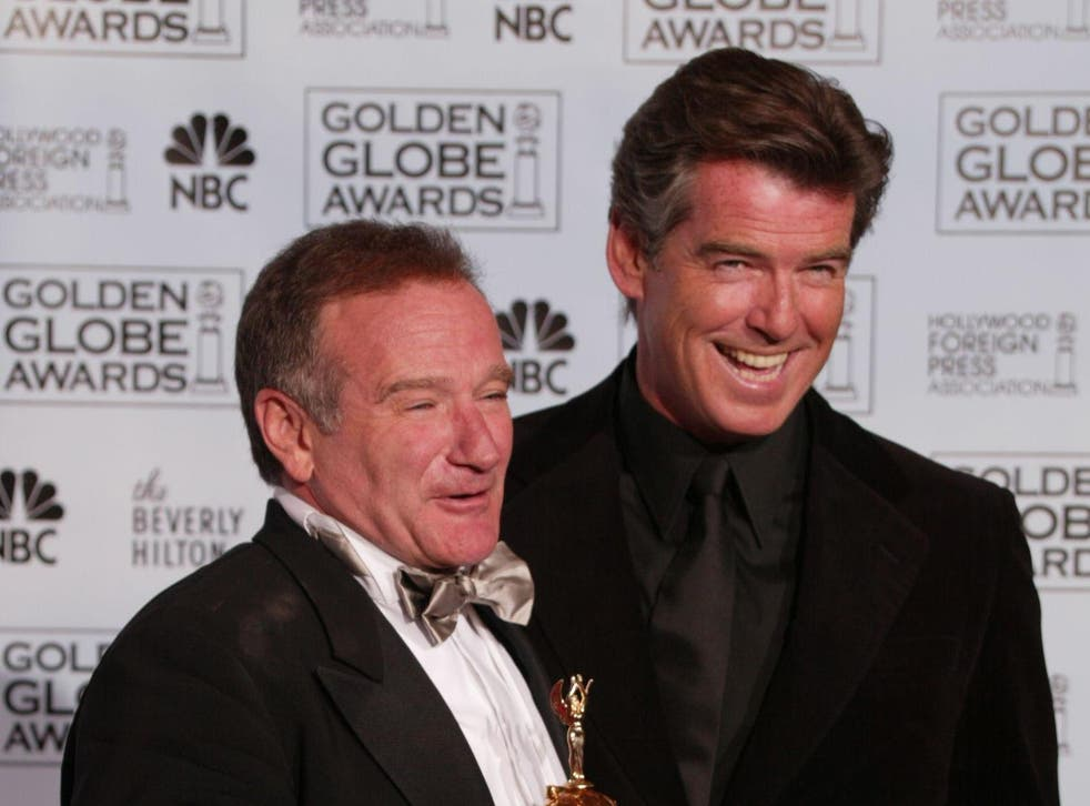 Robin Williams and Pierce Brosnan at the Golden Globes in 2005
