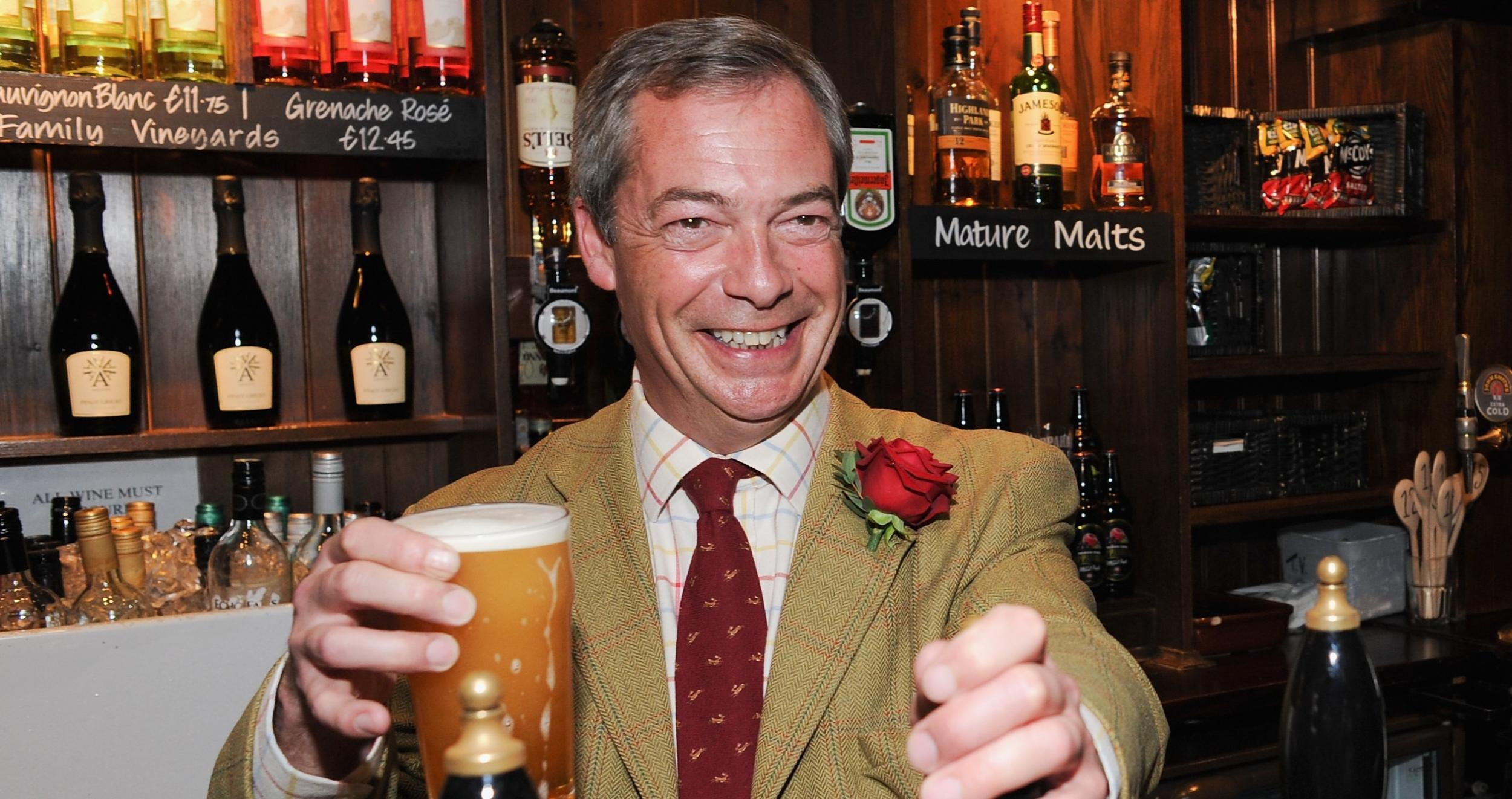 People are reporting Nigel Farage to the police for 'breaking 14 day quarantine' to go to the pub