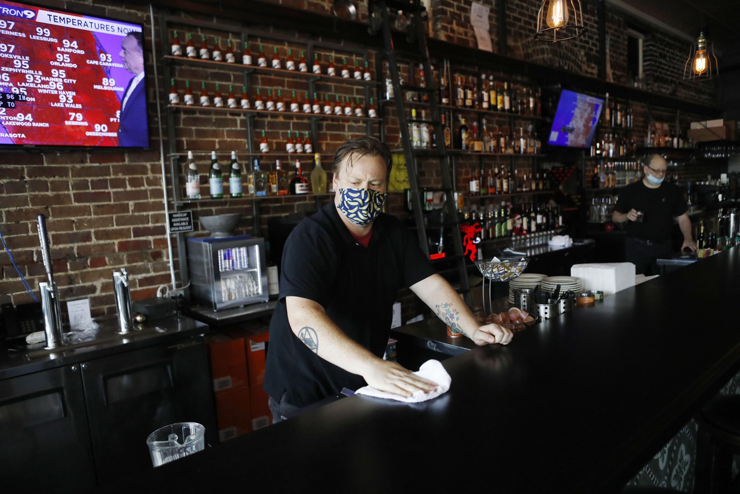Coronavirus: Miami closes restaurants as cases continue to spike across US thumbnail