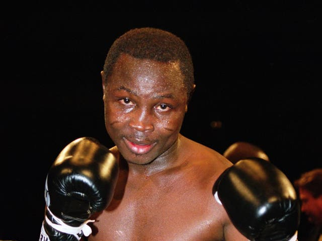 Alfred Kotey beats Anthony Maynard in a lightweight title fight in London in 2001
