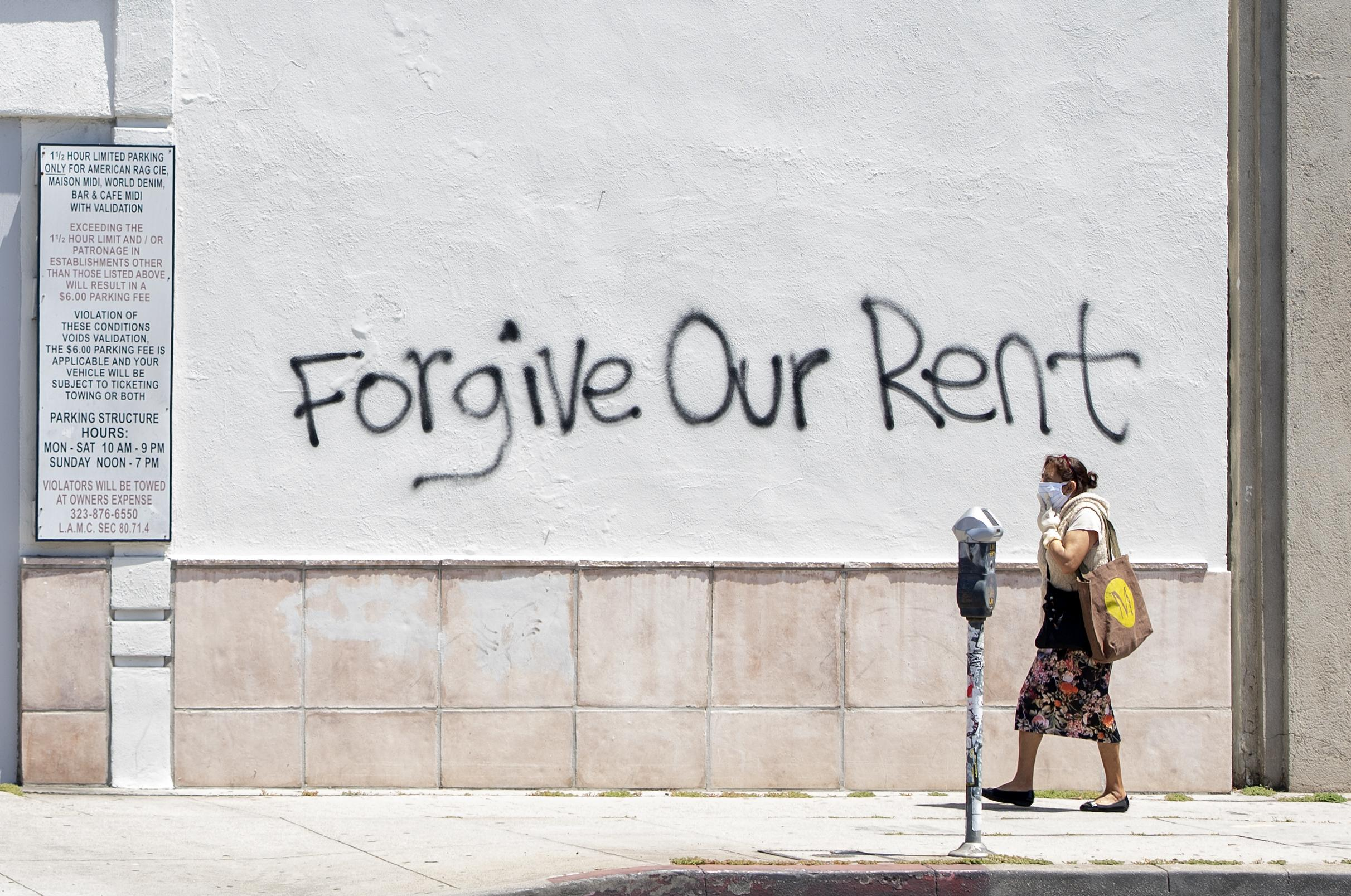 Minimum wage workers can't afford rent anywhere in the US, report finds thumbnail