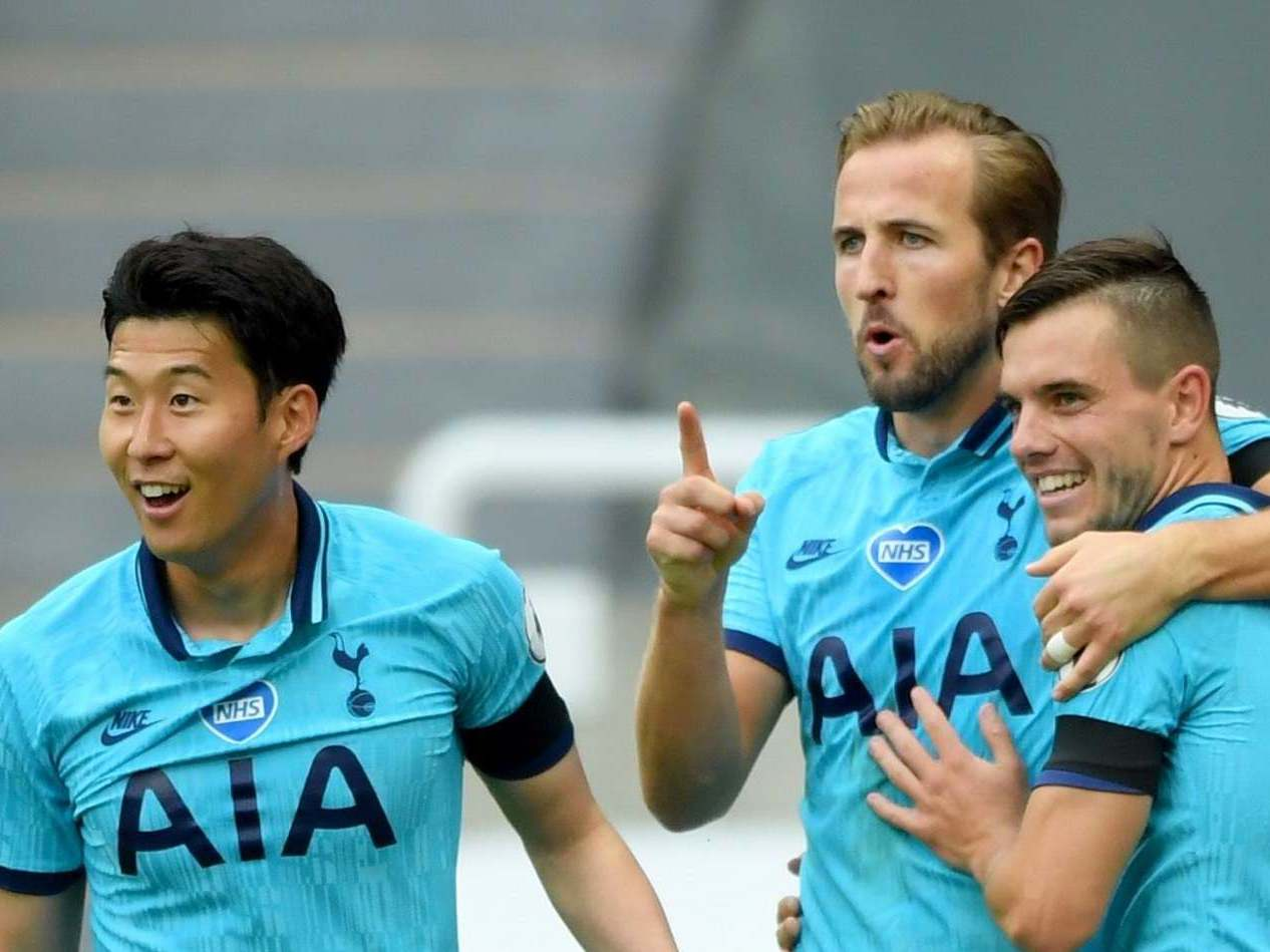 Harry Kane's headed double boosts Spurs' hopes of Europe