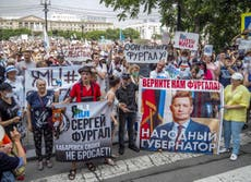 Thousands march in Russia in support of detained governor