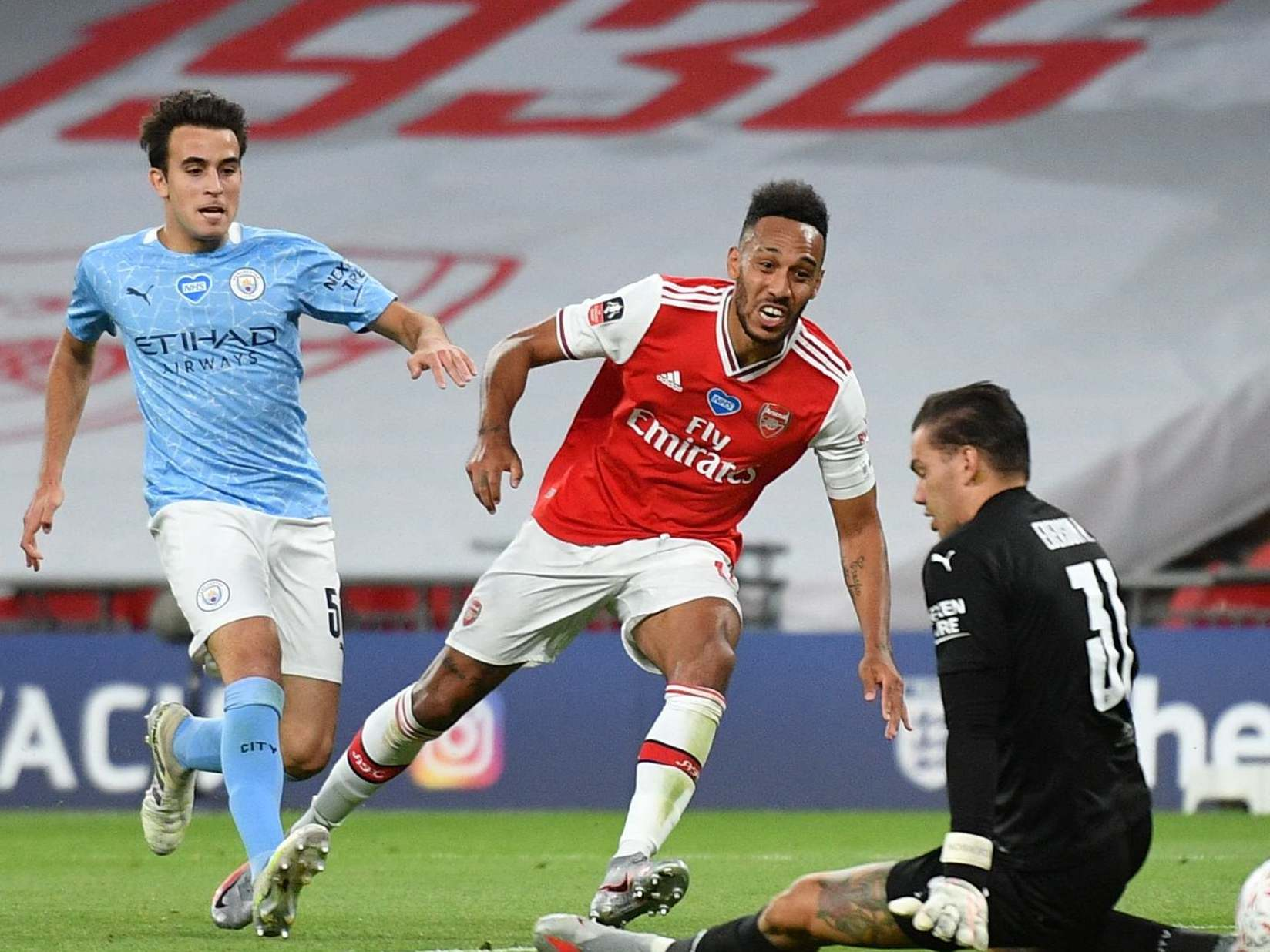 Arsenal vs Manchester City result: 5 things we learned as Pierre-Emerick Aubameyang sends Gunners to final thumbnail