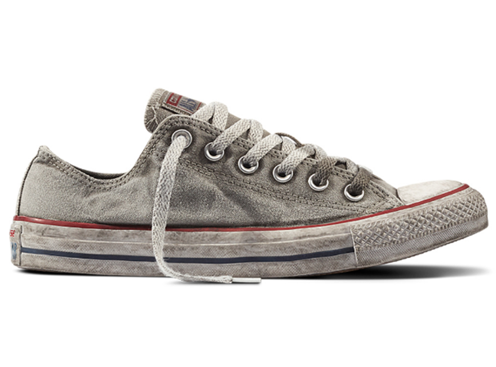Kenia arcilla Clan  Converse sells Chuck Taylors purposely made to look dirty for £70 | The  Independent | The Independent