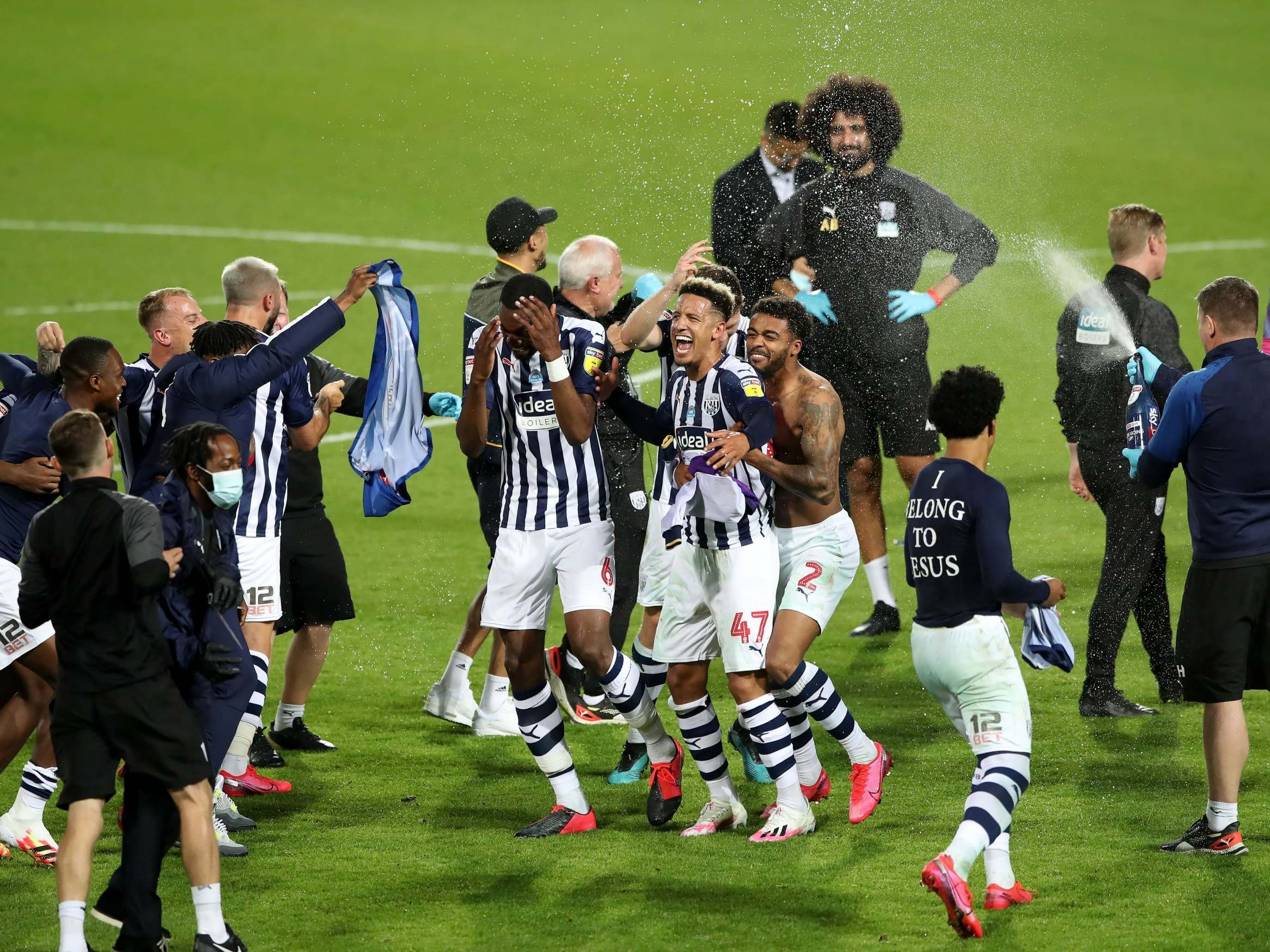 West Brom Promoted To Premier League After Dramatic Final Day In The Championship The Independent The Independent
