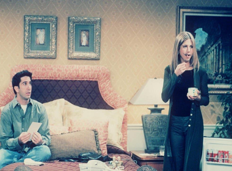 David Schwimmer and Jennifer Aniston in Friends.