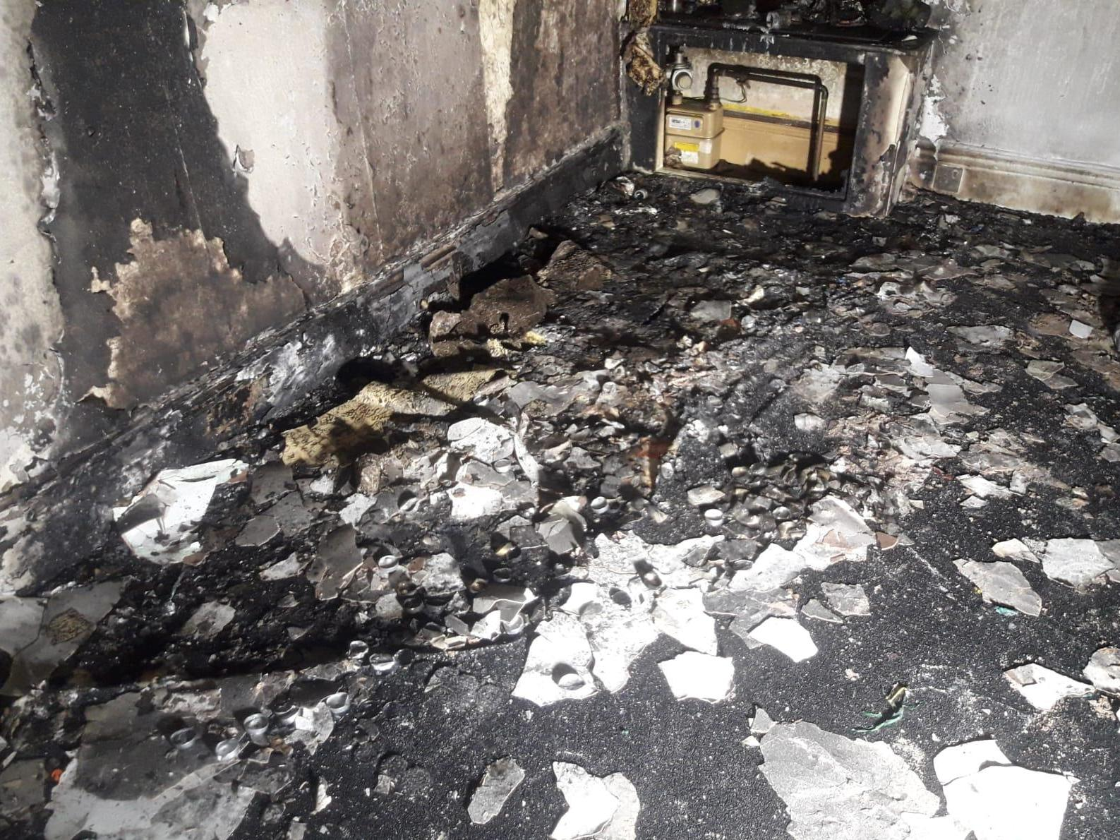 Man accidentally burns down own flat while proposing to girlfriend