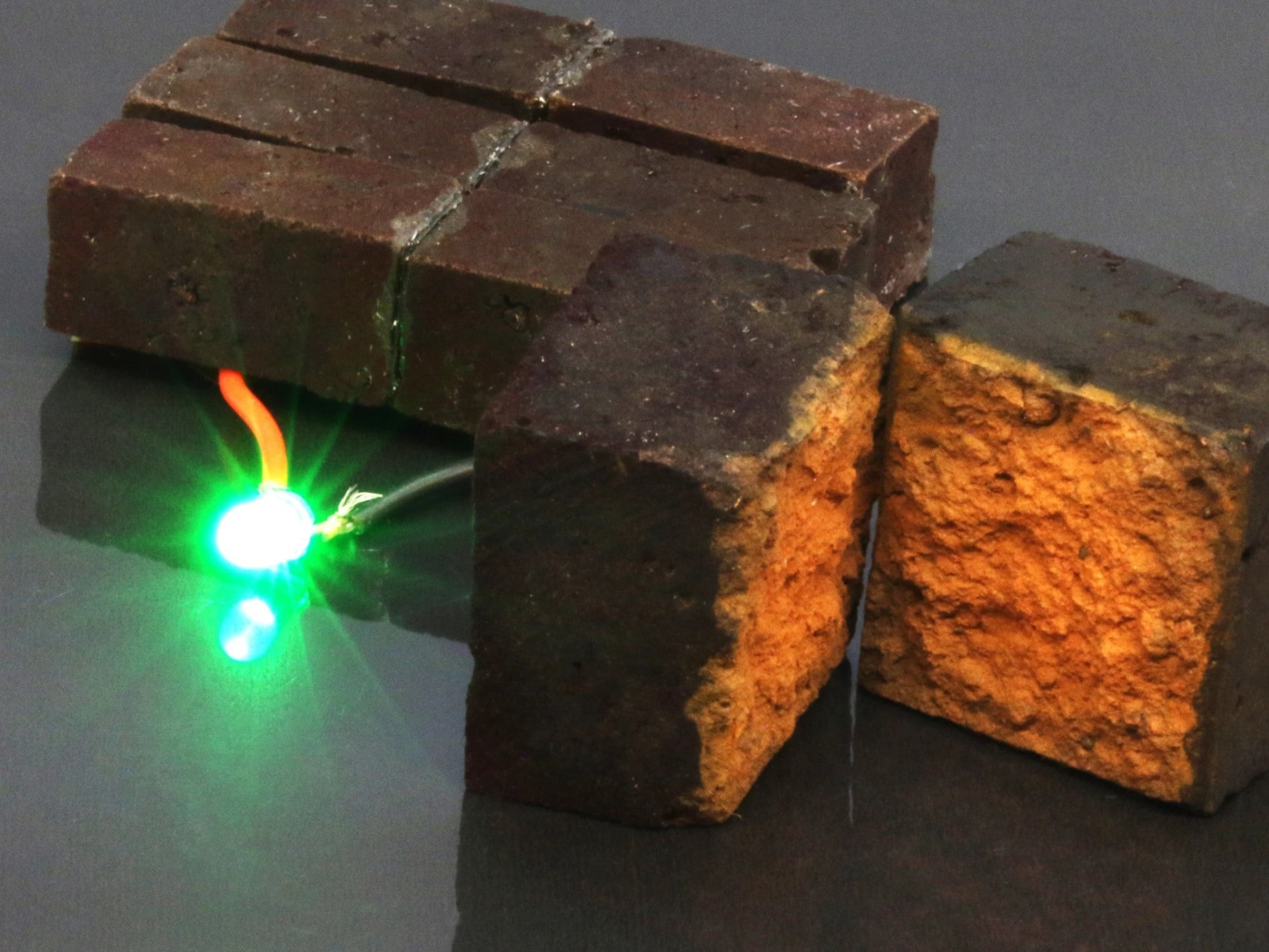 House bricks can be used to store energy like a battery