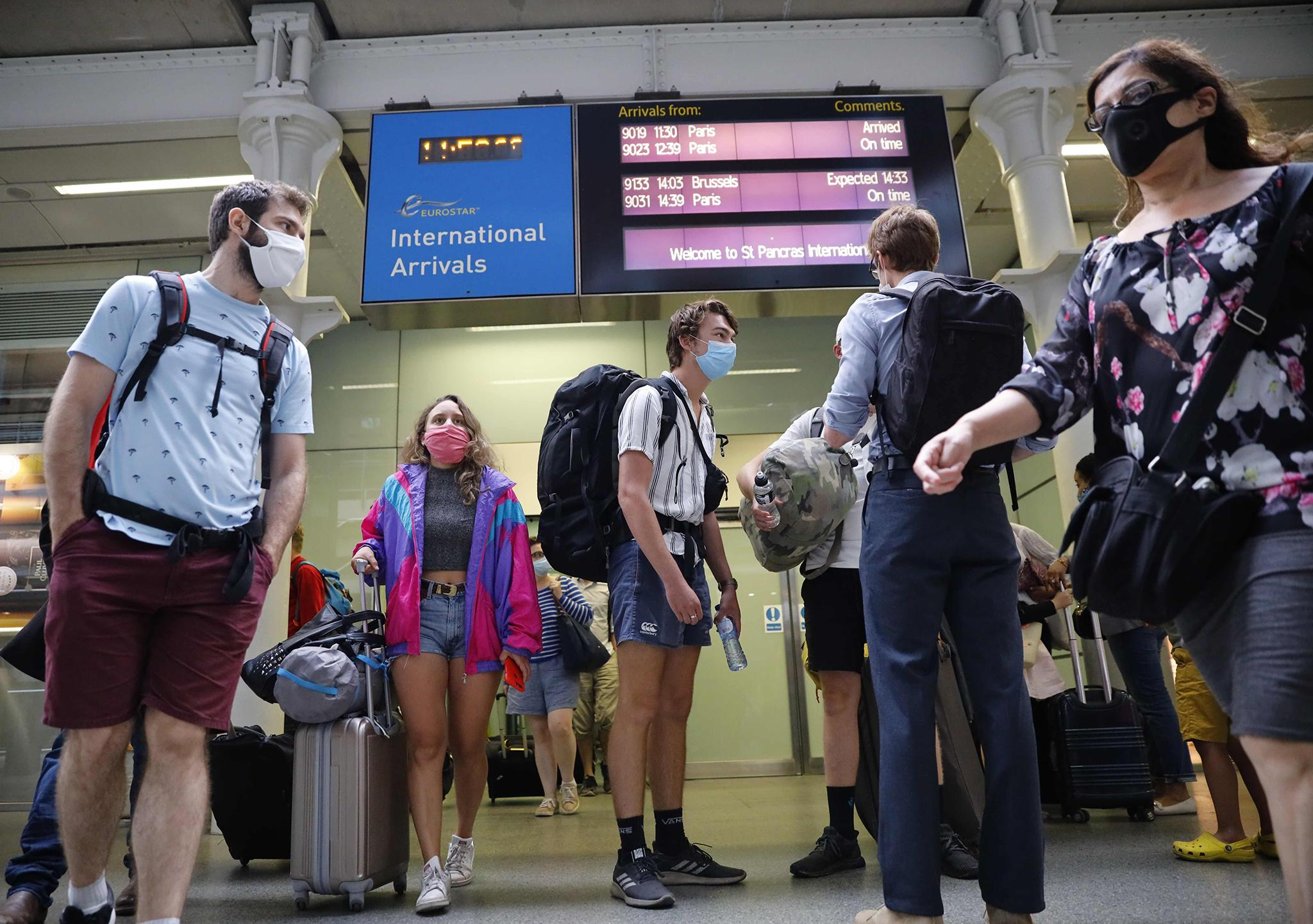 Holidaymakers beat France quarantine deadline with minutes to spare - follow live