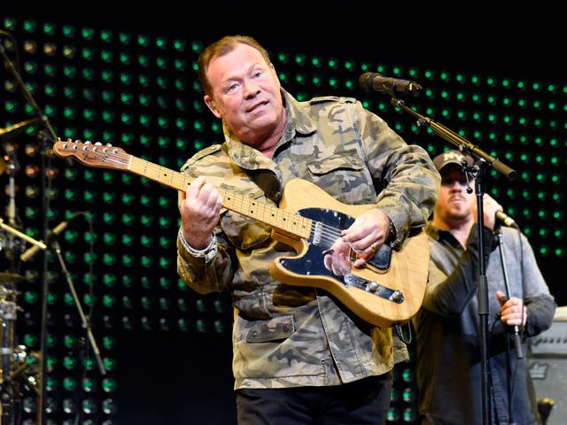 Ali Campbell performing at the iHeart80s Party in San Jose, California, 2017