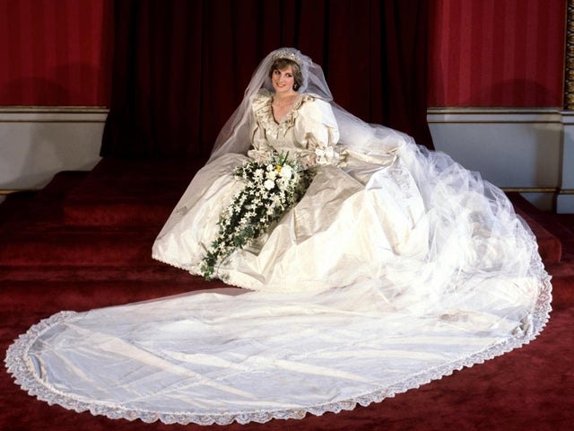 The Crown How Princess Diana S Iconic Wedding Dress Was Recreated The Independent The Independent,Neon Green Lime Green Wedding Dresses