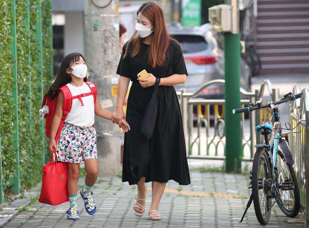 Los expertos recomendaron el uso de cubrebocas en infantes de entre 6 y 11 años de edad para evitar una mayor propagación del Covid-19