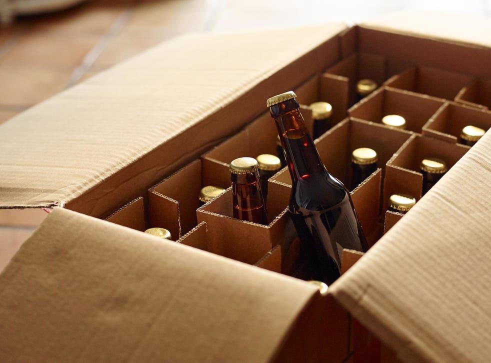 Un gran número de clientes pidieron cerveza en línea durante el cierre